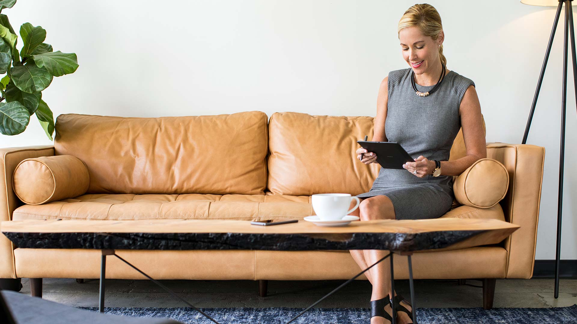 sony-digital-paper-photoshoot-woman-on-couch-front.jpg