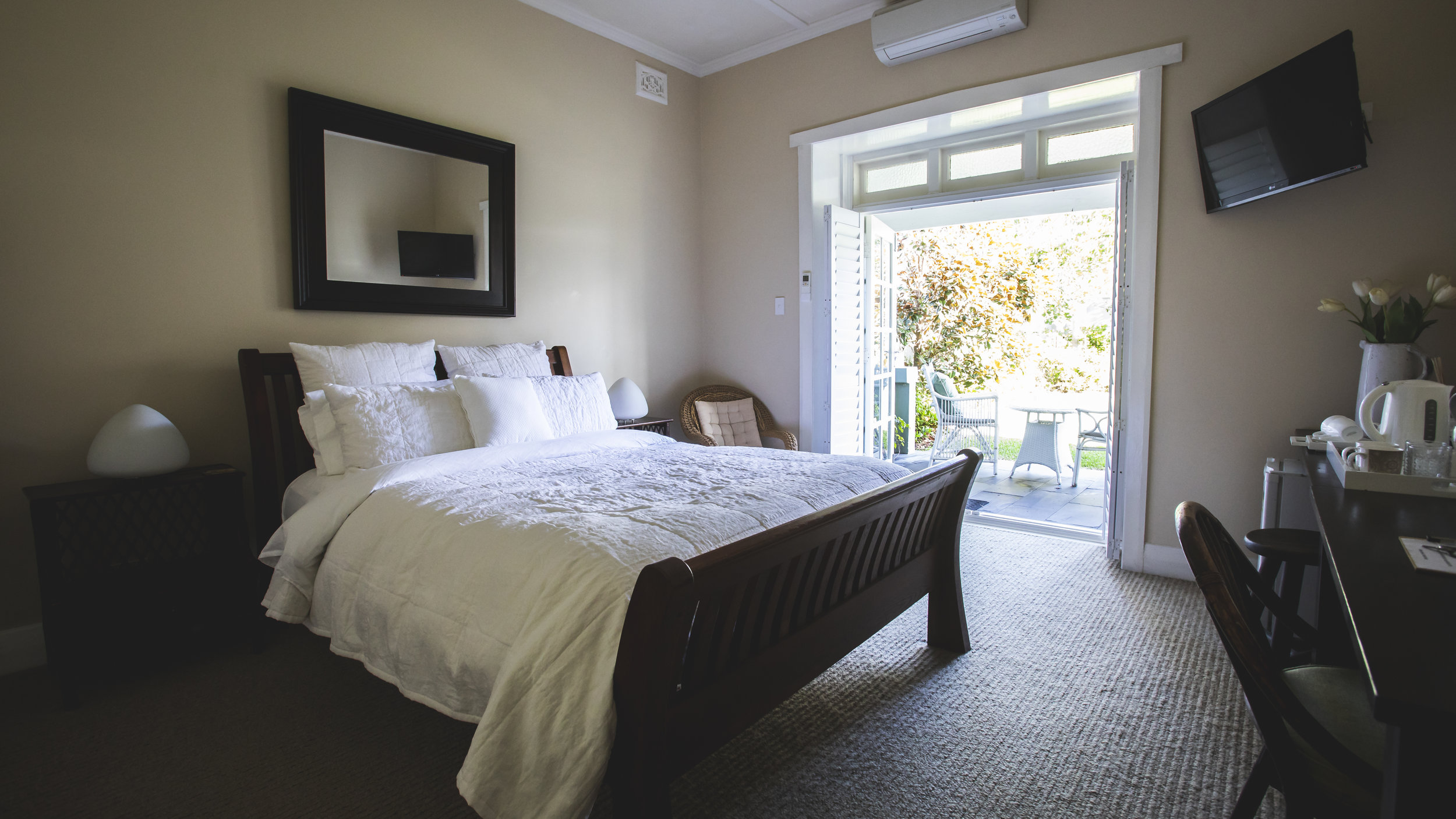 MEREWETHER BEACH HOUSE ACCOMMODATION NEWCASTLE BED 2 ENSUITE