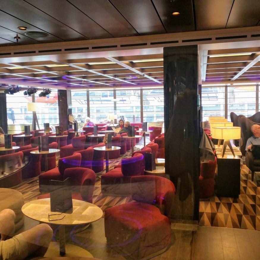 Seaview Lounge