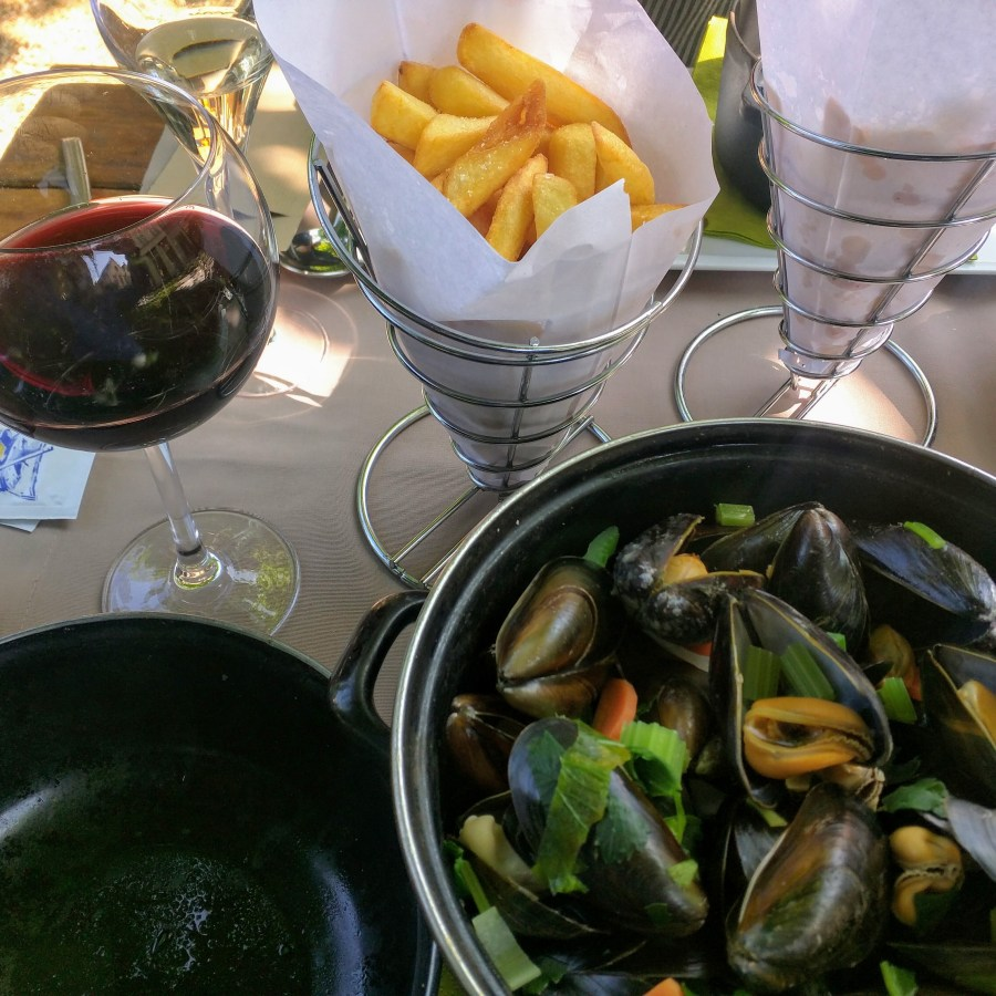 Mussels, fries, and wine