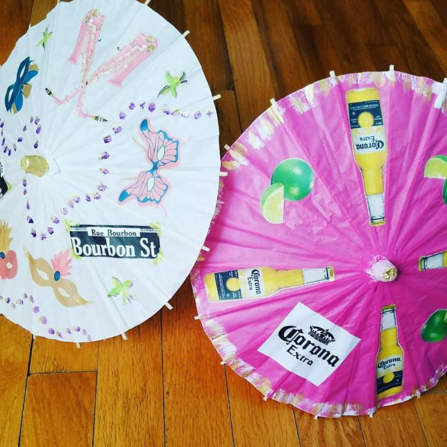A pair of #custom #partyparasols left the studio yesterday! My lovely client ordered a #neworleans / #mardigras inspired mini and a #corona mini for a dear friend of ours. They brightened the table and went home with the beautiful #birthdaygirl! . . . #welovecustomorders #mardiparty #mardigrasdecor #neworleansparty #bigeasy #coronawithlime #partydecor #partyfavors #centerpiece