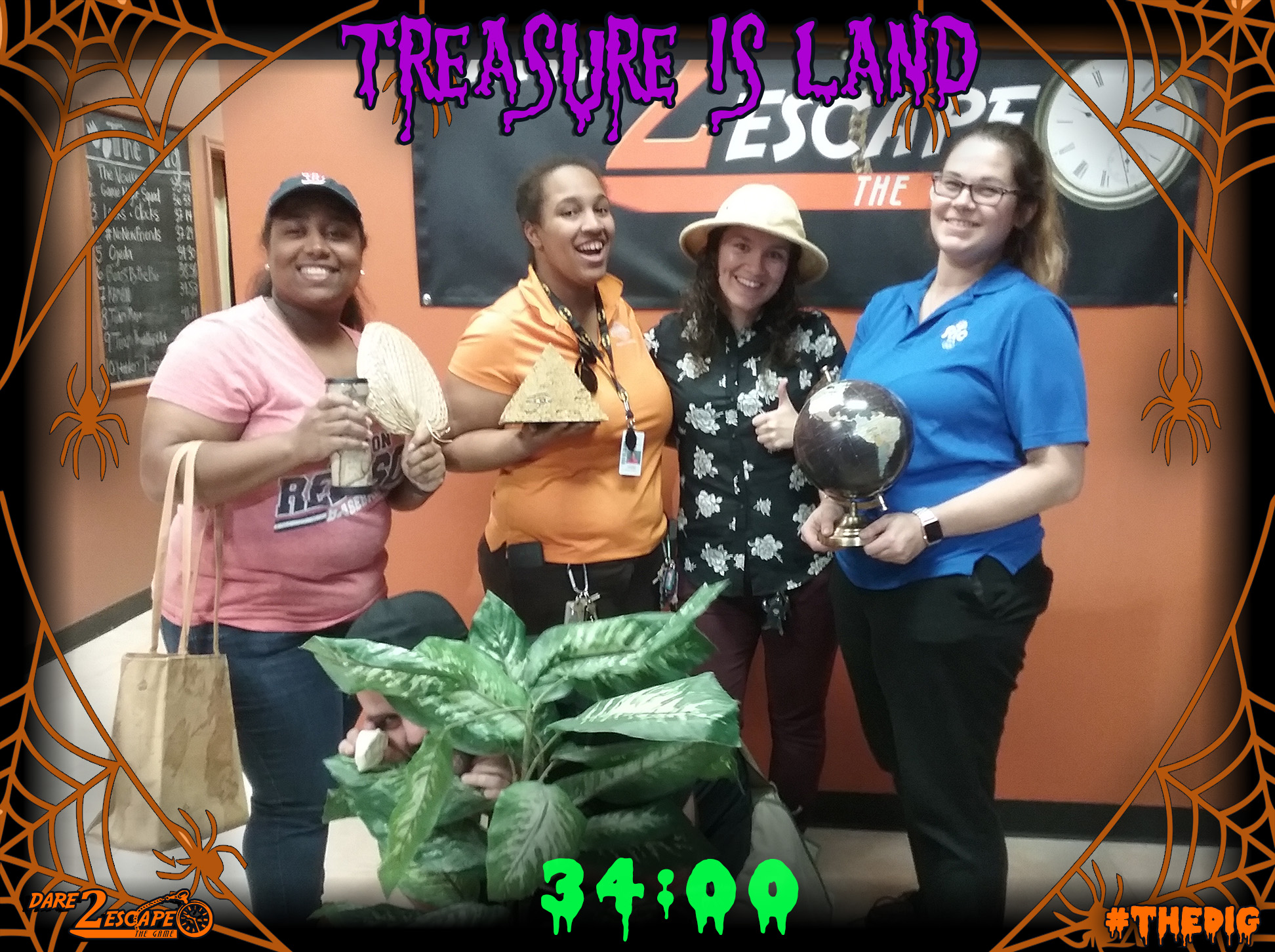 01 Treasure Is Land 34_00.jpg