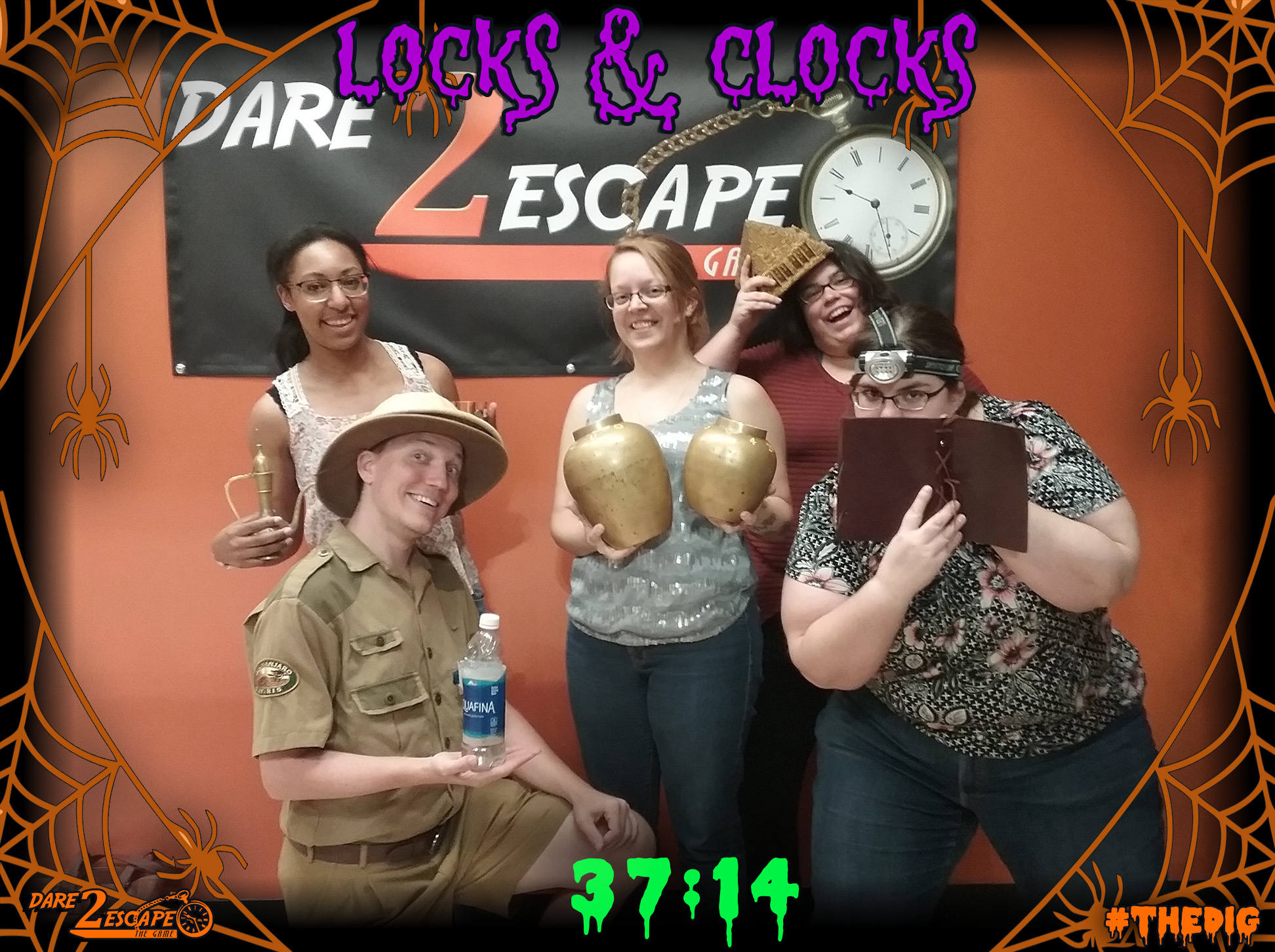 04 Locks and Clocks 37_14.jpg