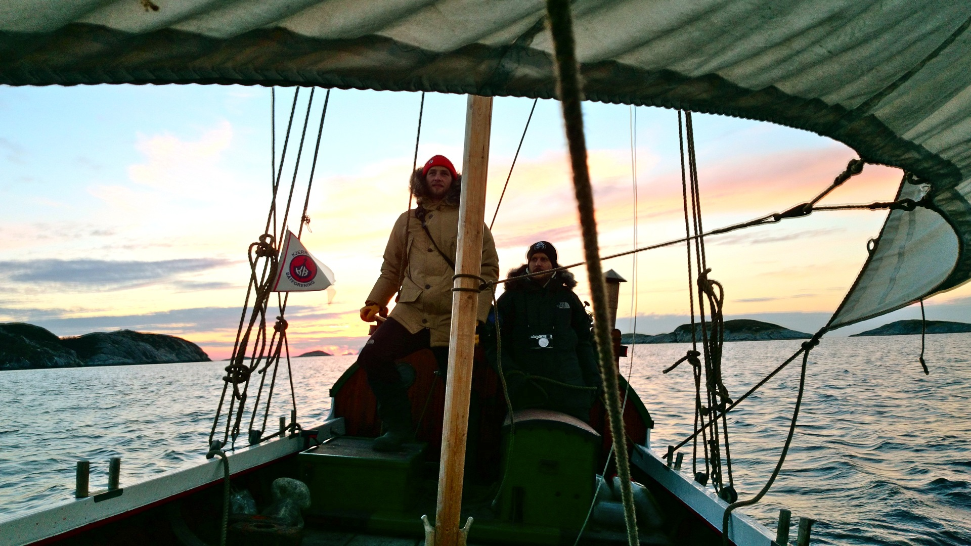 Helming a 17th century Nordlands boat off the northern Norwegian coast while on assignment for Islands Magazine in February 2014.