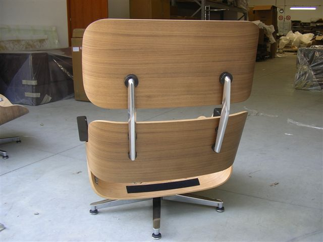 NOCE CANALETTO  Lounge Chair Eames.JPG