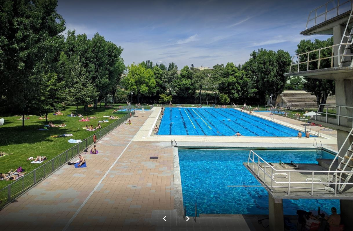 piscina de verano 5.JPG