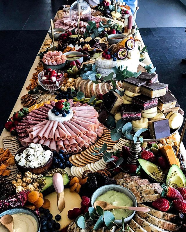When a table is so long you can't get the whole photo in. Gorgeous metres for a midday wedding 👰 🤵 • • #grazingtable #graze #weddingplatter #weddingcaterer #newcastlecater #newcastlefood #newcastlevendor  #bridesmaids #bridalshower #bridalshowerdecor  #hensinspo #hensparty #weddinginspo #weddinginspirations #weddinginspiration #weddingphotographer #newcastle #hunterregion #centralcoast #newcastlevenue #fiance #shesaidyes #newcastlewedding #isaidyes #engaged #weddingplanning #weddingplanner