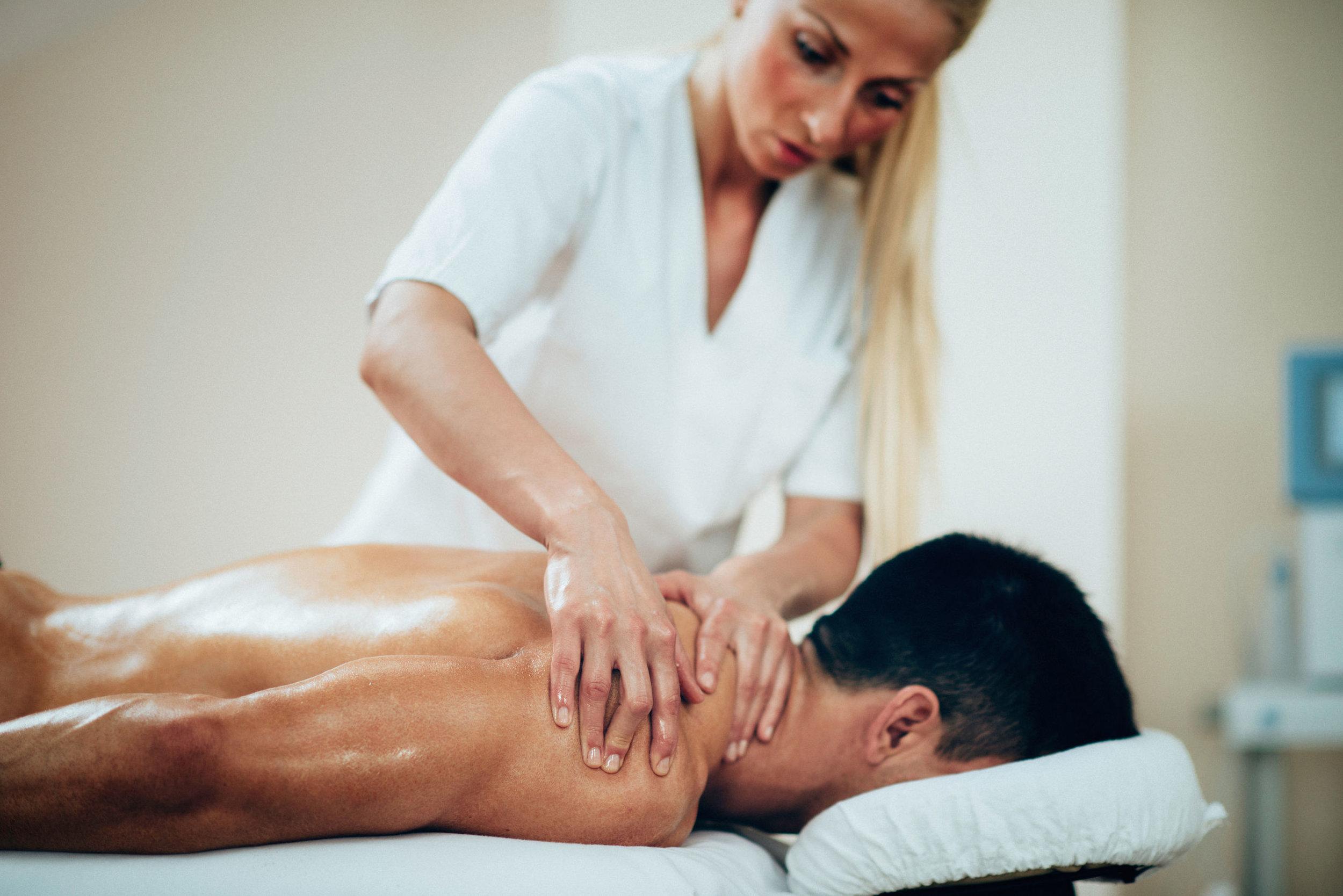 Therapeutische Berufe - Berufsmasseurin Reflexzonentherapeutin