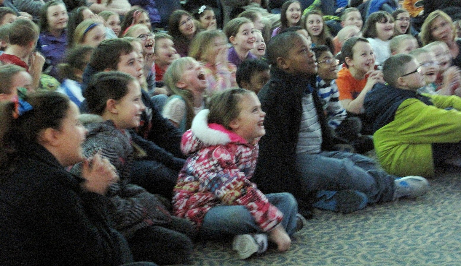 Kids watching David Slonim 2015 (3).jpg