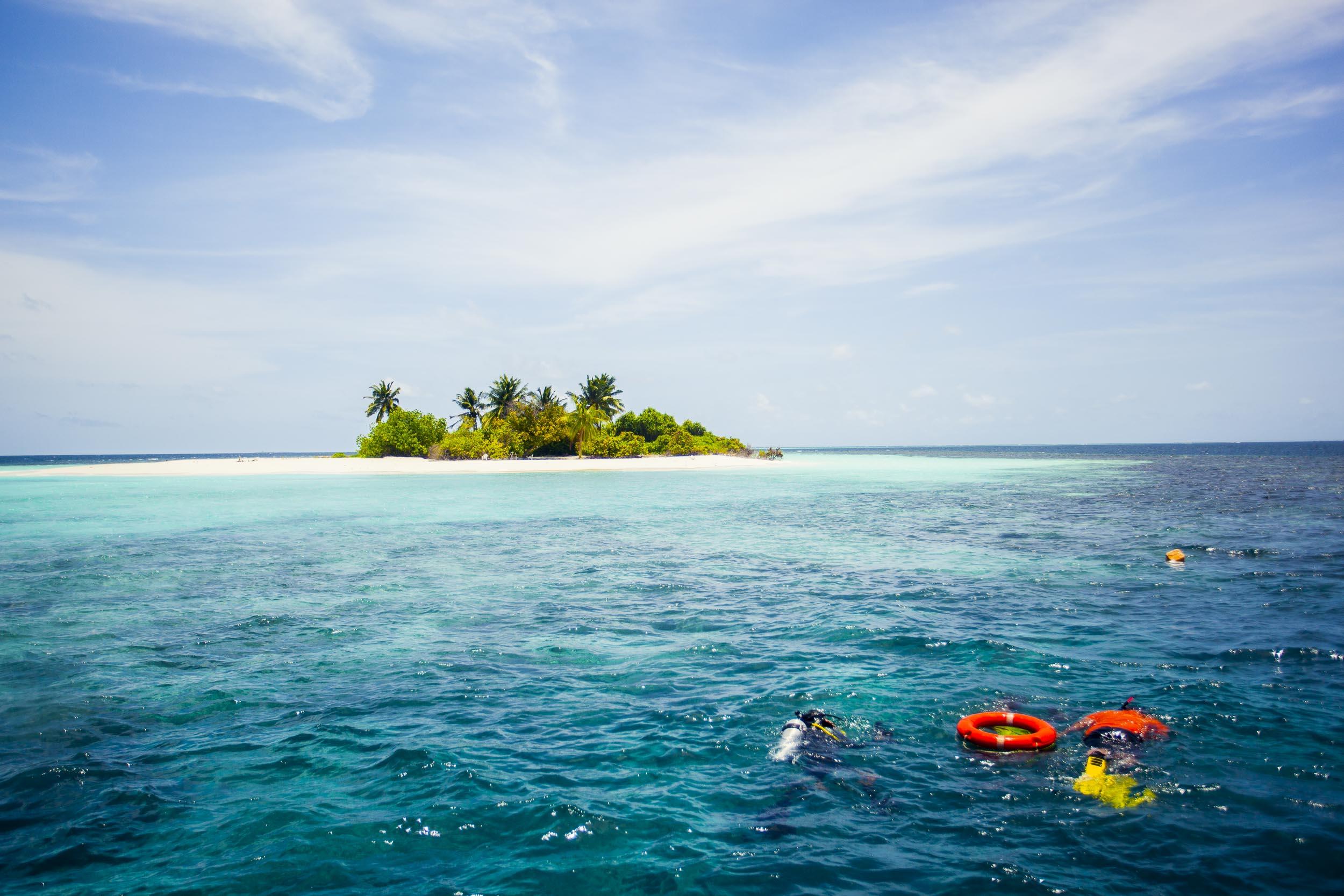 liveaboard-maldives-scuba-diving-4.jpg