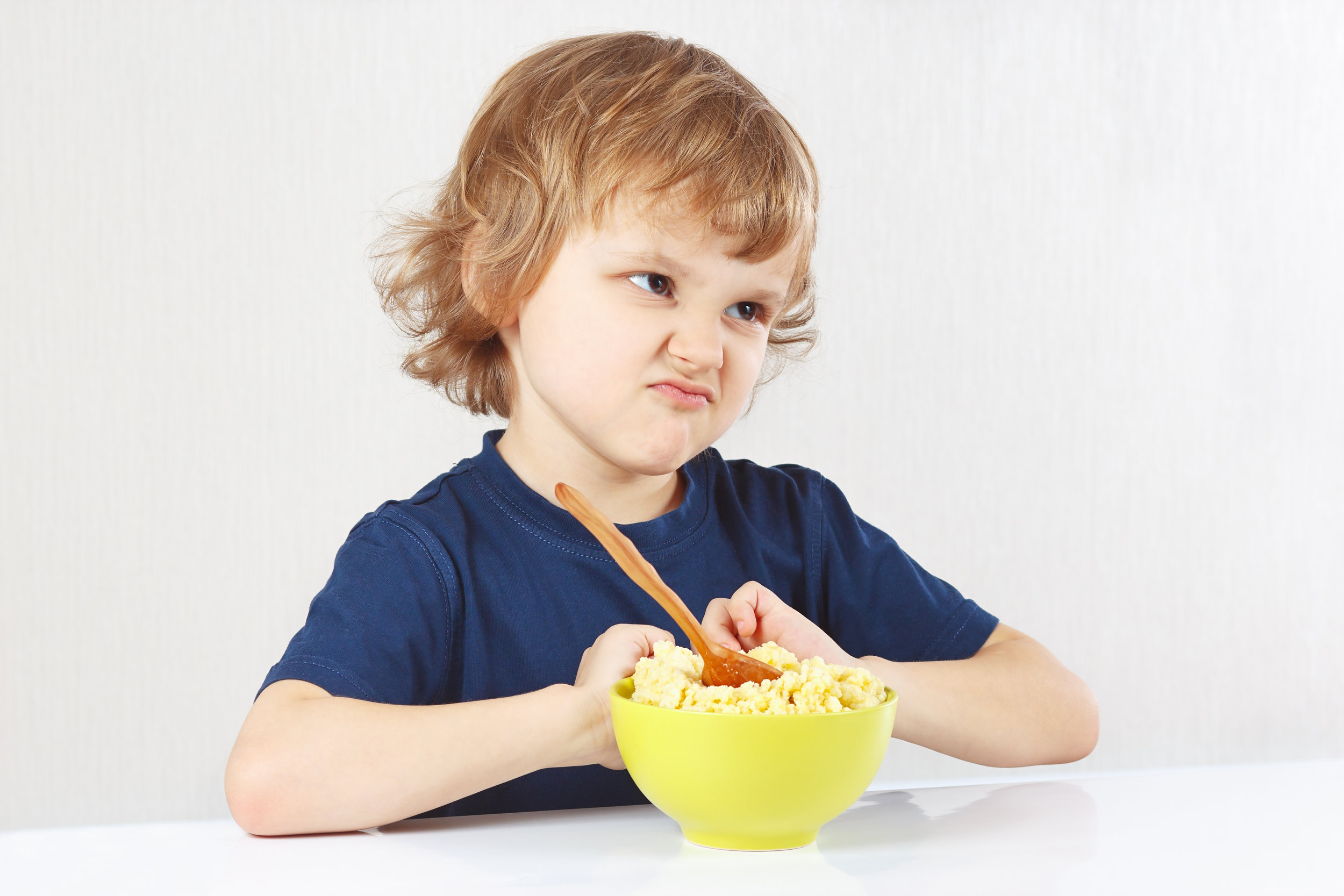 A feeding disorder may be accompanied by behavior problems during mealtime (e.g., tantrums). In addition, some children may display skill deficits such as an inability to chew or swallow foods. Finally, medical problems such as vomiting may also be evident in children with feeding disorders. These problems may arise at any time during childhood. -