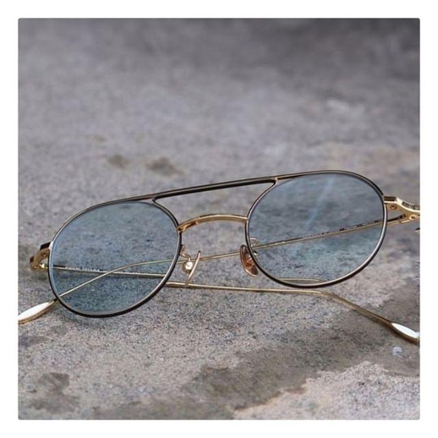 YUICHI TOYAMA.⠀ Double Dutch Sunglasses⠀ ⠀ #yuichitoyama #lunakt #regram #doubledutch⠀ #sunglasses #titanium #simple #light⠀ #amazing #japanese #handmade #eyewear