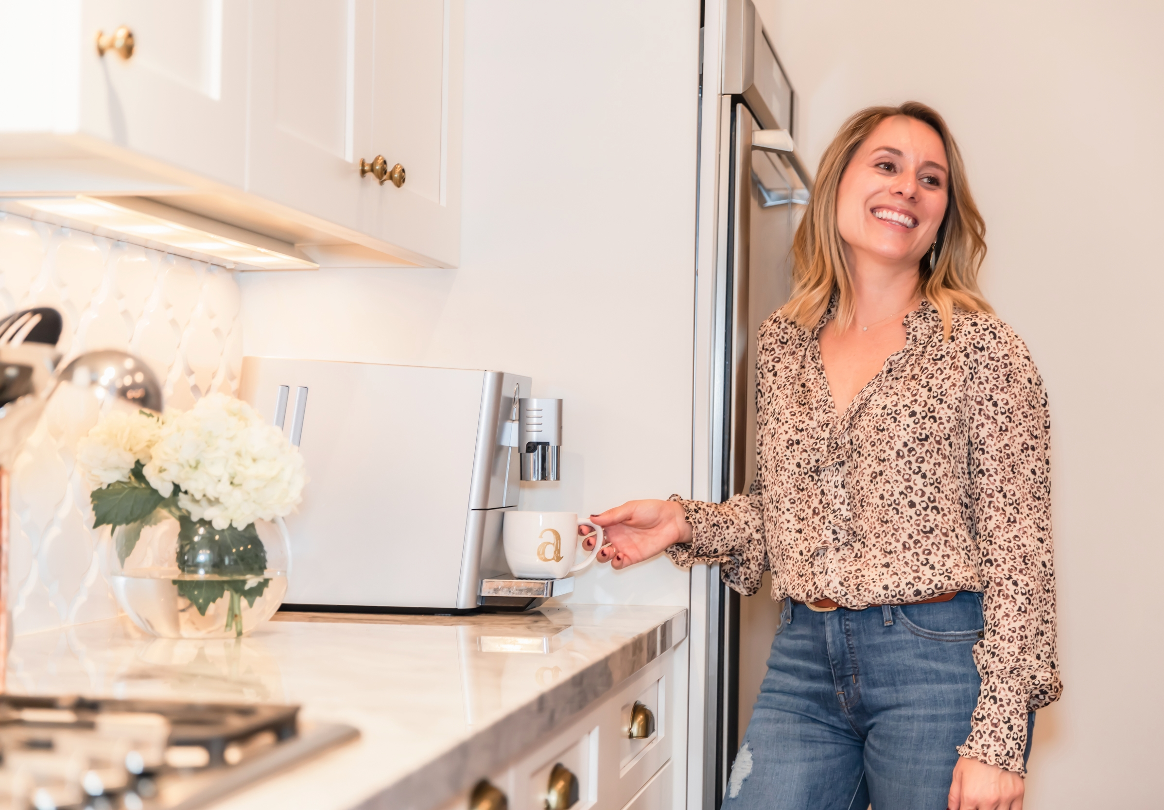 """Meet the Aronsons - One cup of coffee with Katrina Aronson will leave you feeling inspired. Katrina is effortlessly chic, whether it be her on point """"choppy lob"""" haircut or her perfectly curated assemblage of home decor, In short, Katrina is all things trendy."""