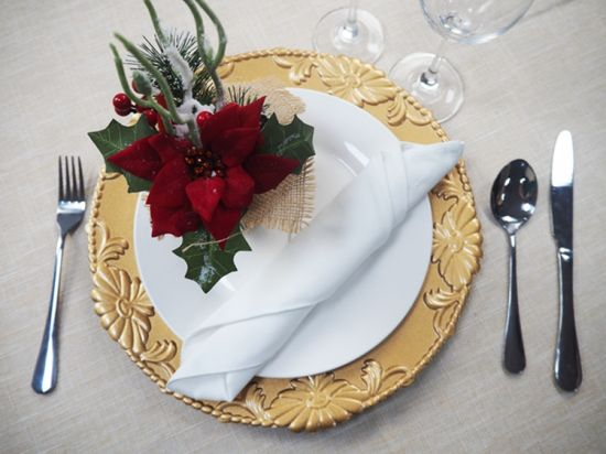 2. Charger Plates - In order to achieve that perfect elegant look you've been trying for, you NEED chargers that will make a statement this Christmas. Gold, silver, and red are great colors to incorporate for a festive look!
