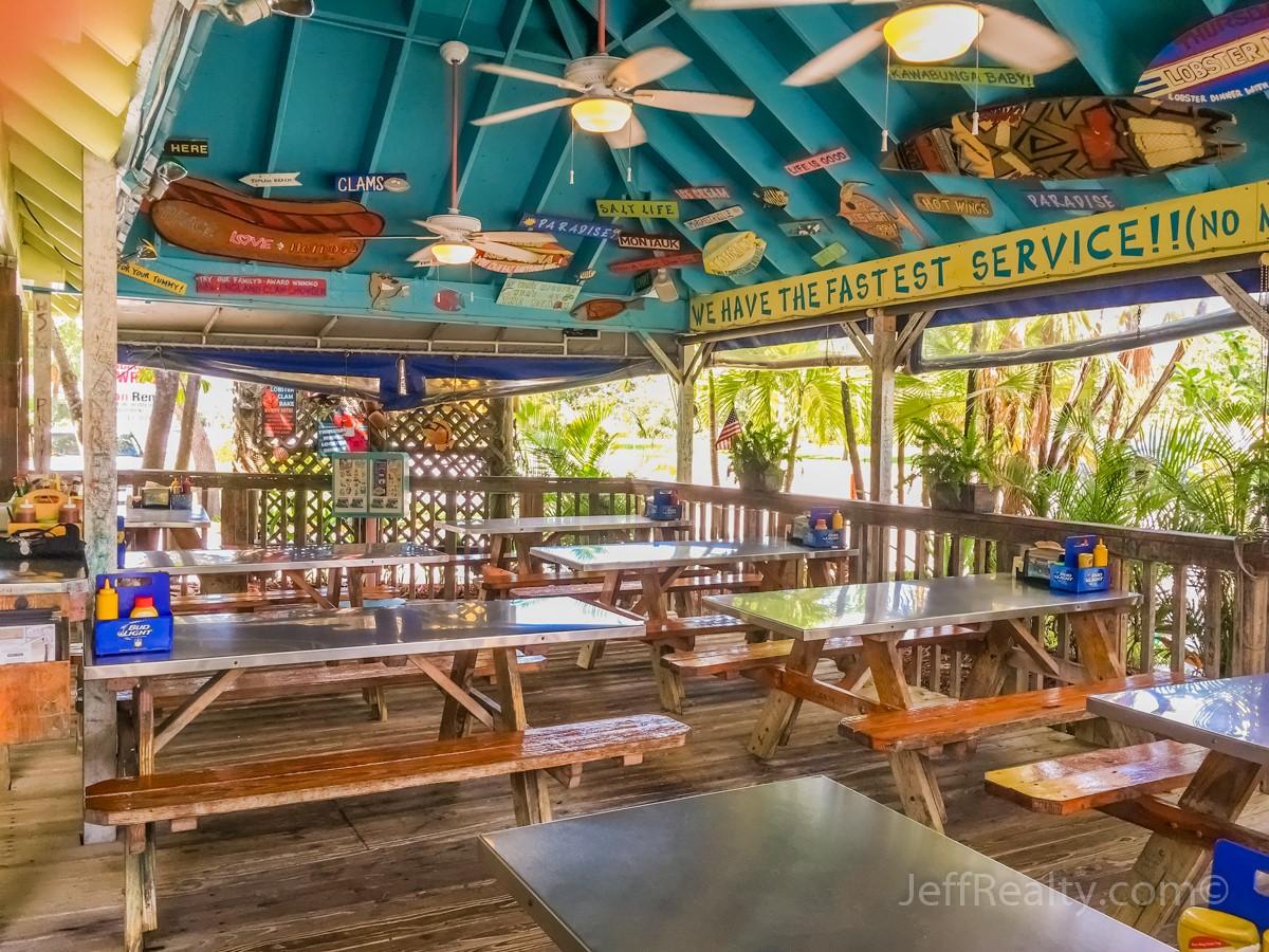 dune dog restaurant jupiter florida.jpg