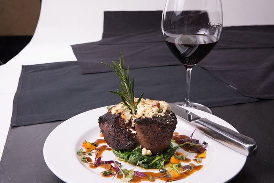 5. Evo Italian - From Executive Chef Erik's heart and imagination, Evo offers you a contemporary interpretation of authentic Italian recipes.Our faves: Lobster Bruschetta, Bucatini Carbonara, Stuffed Zucchini FlowersPrice: $$$$