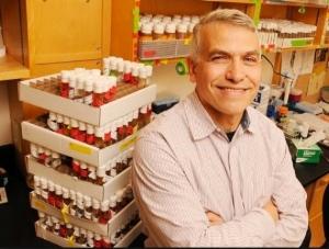 Giovanni Bosco  Geisel School of Medicine at Dartmouth, Hanover, NH   http://www.boscogeneticslab.com/    @ GiovanniBosco45