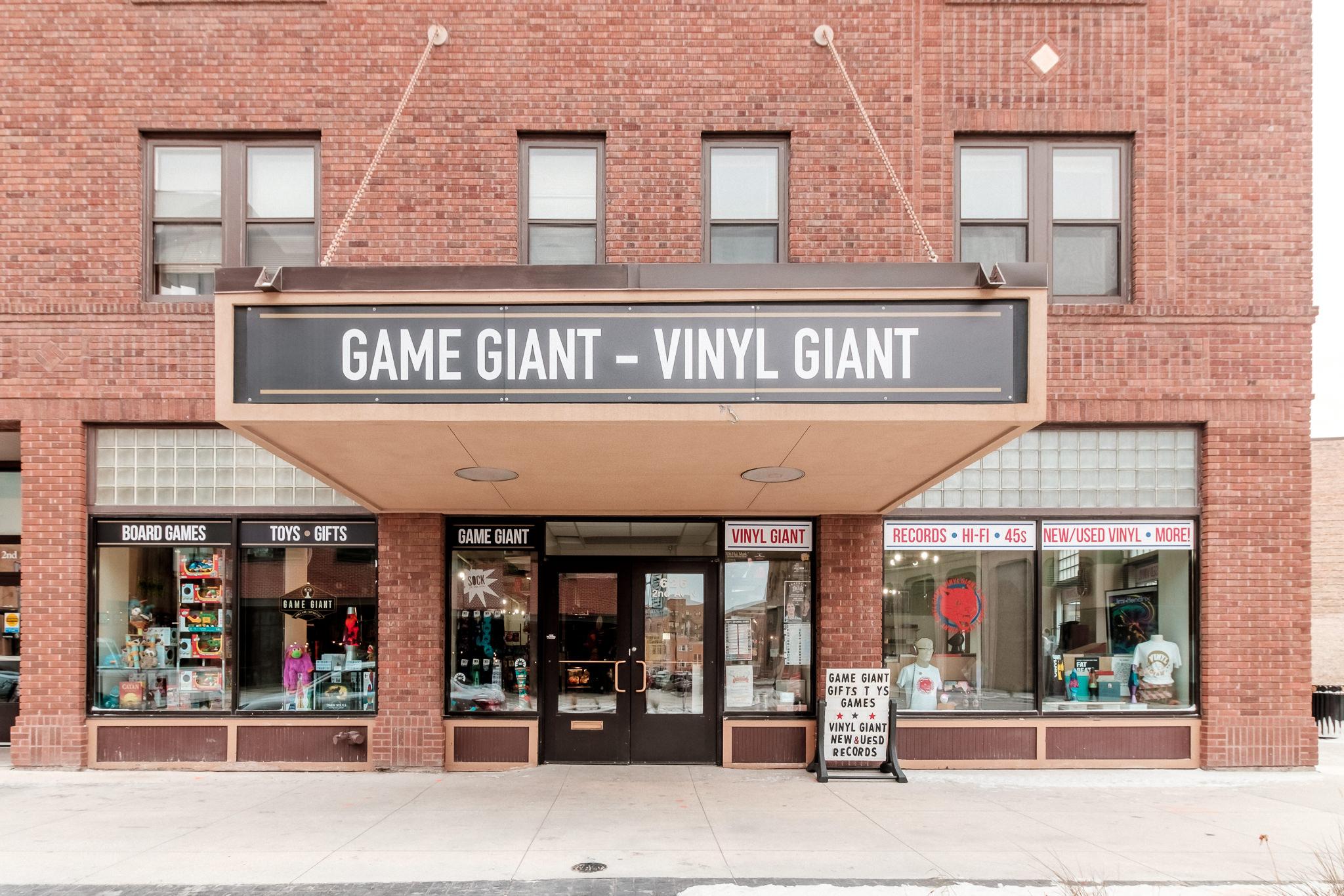 Game Giant - Vinyl Giant