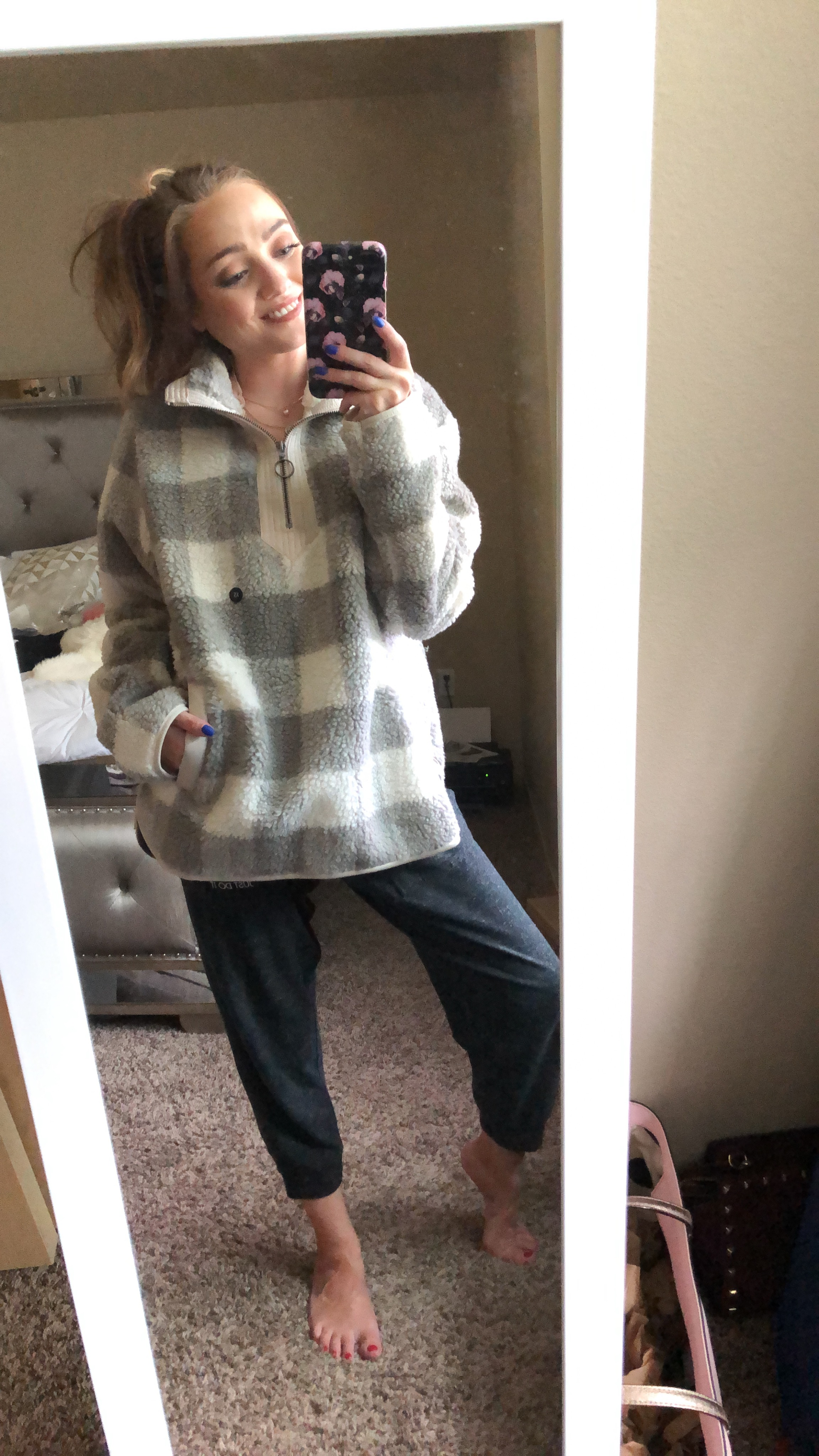 sherpa pullover  - wearing an xs