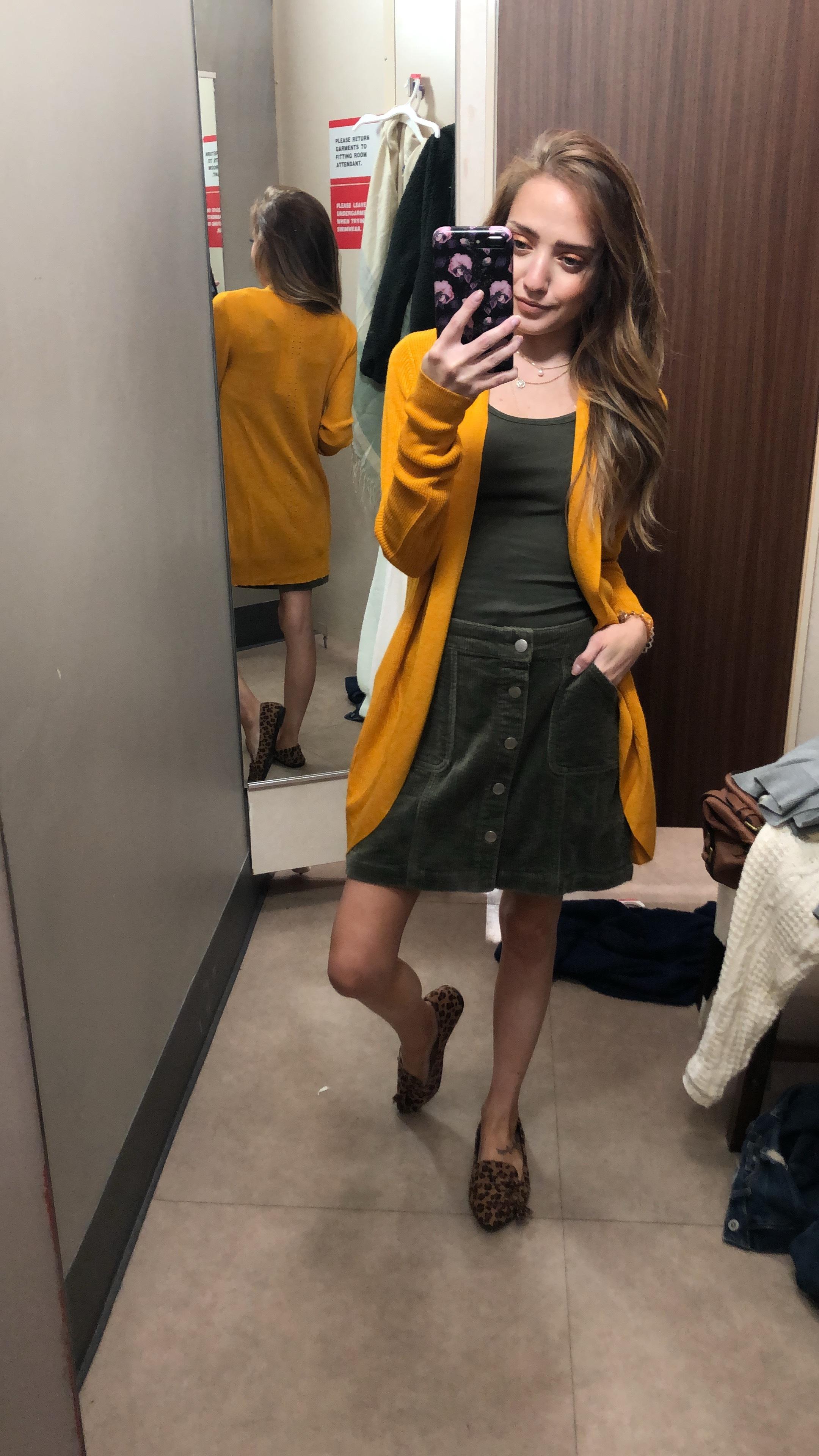skirt ( black -  red  ) //  cardigan