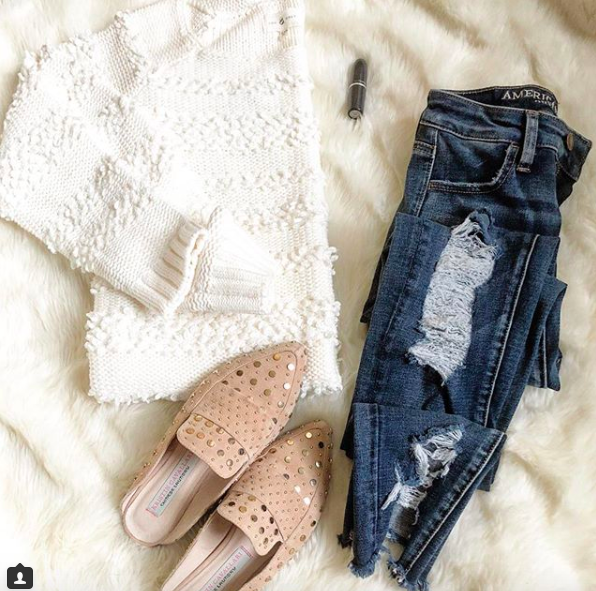 sweater //  jeans  //  shoes  //  lipstick