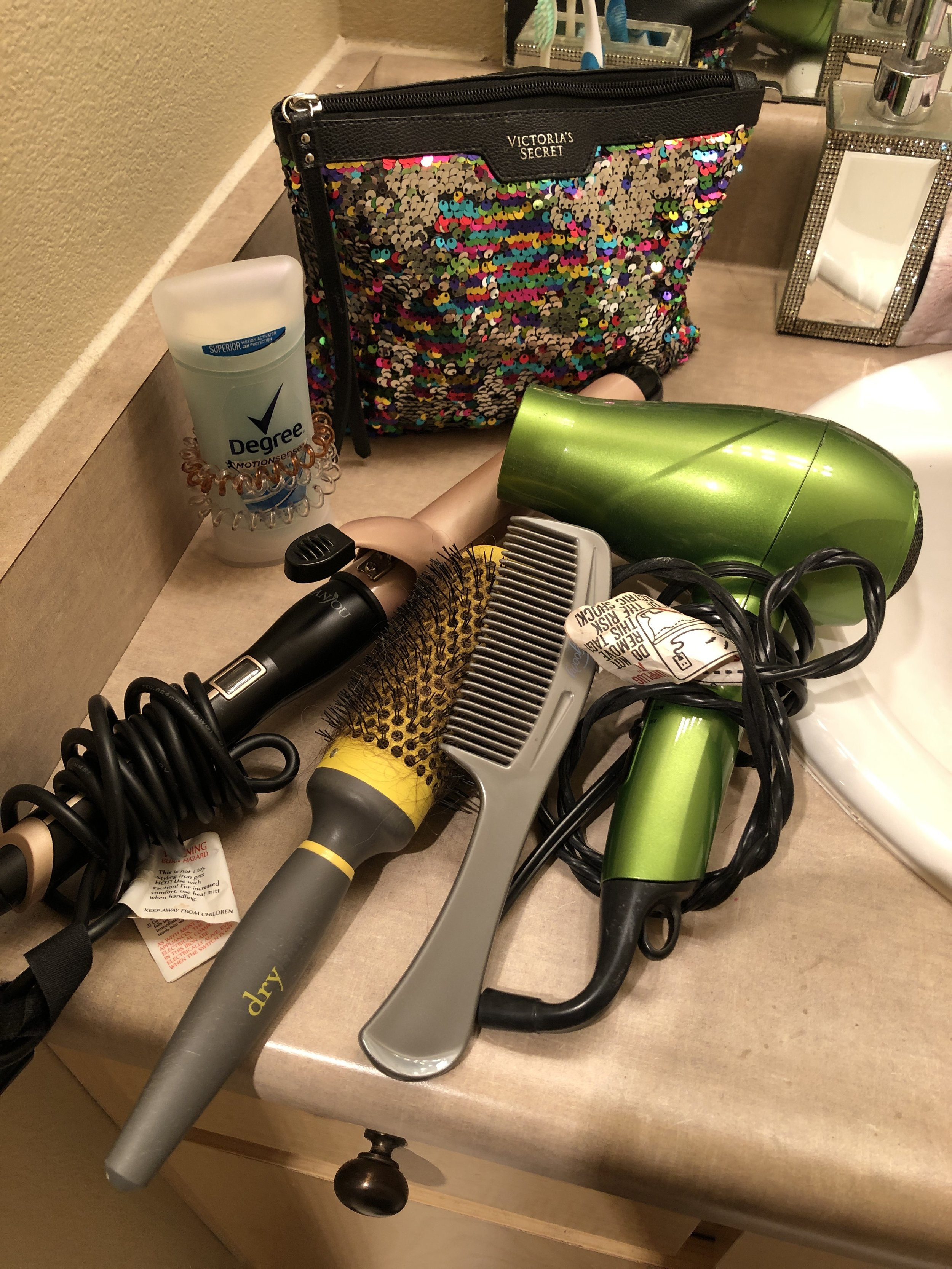 Degree deodorant curling iron Round Brush Comb Hair dryer