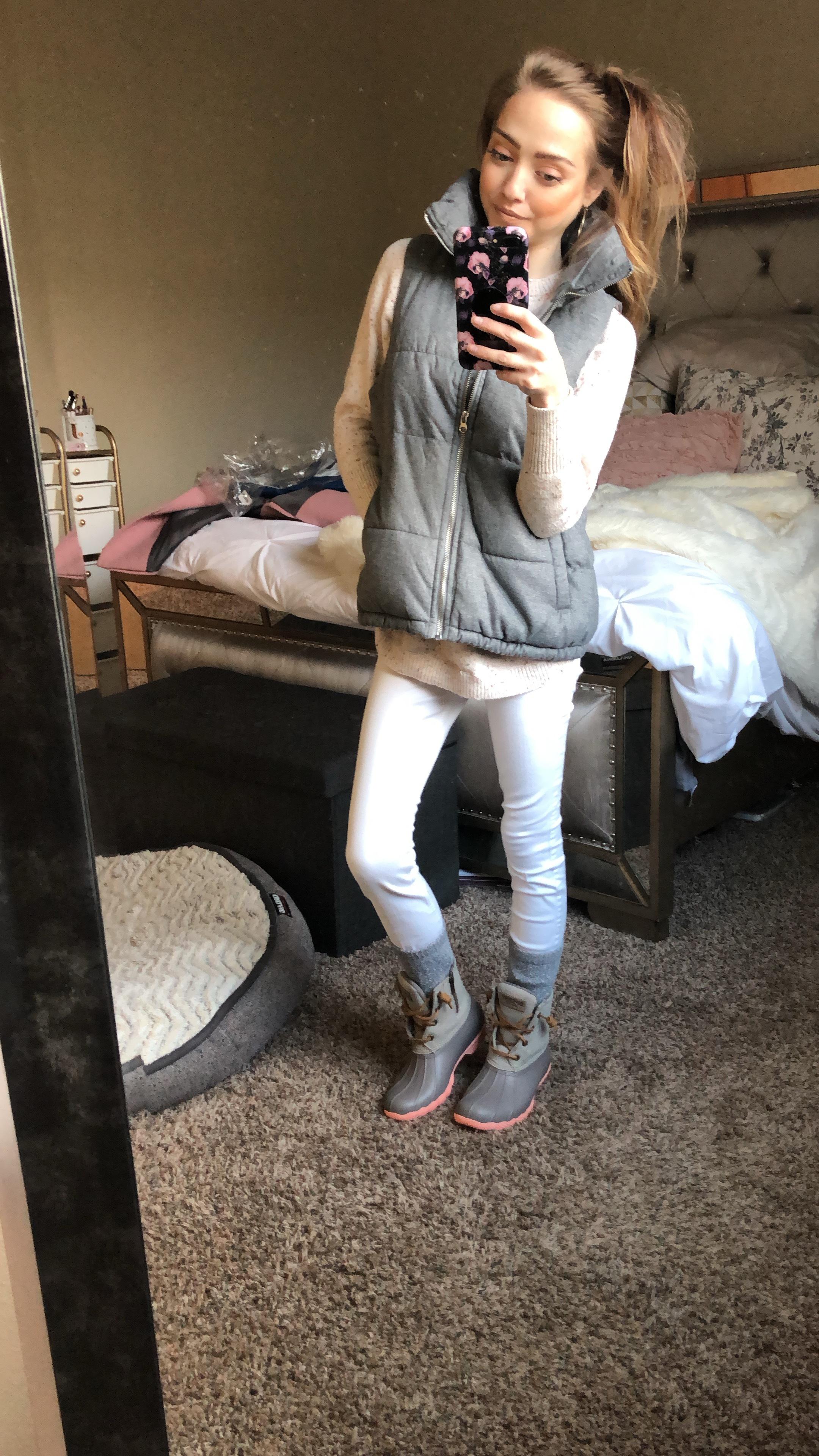Vest  //  Duck boots  //  SALE DUCK BOOTS