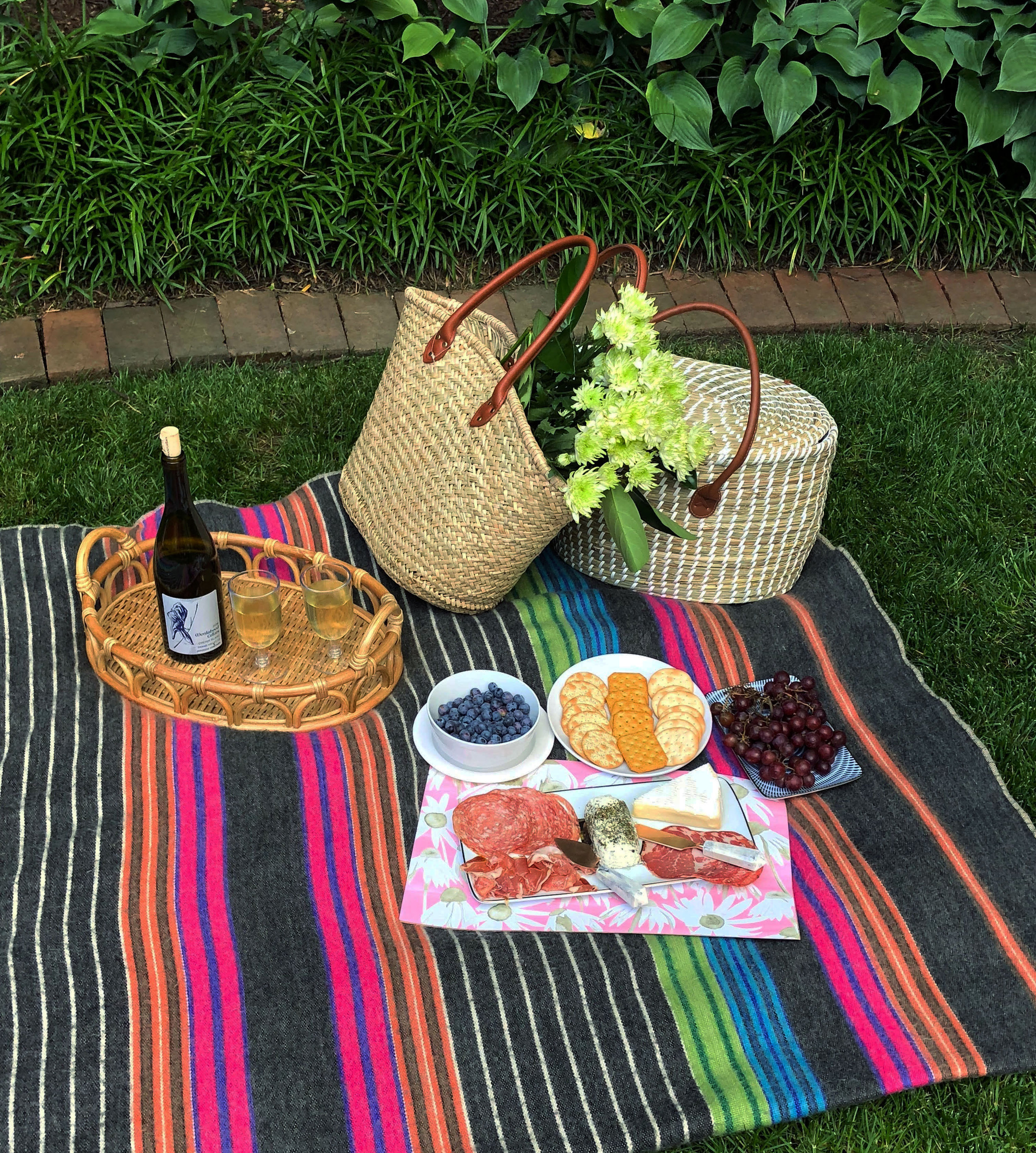 lucy-grymes-picture-perfect-picnic-finger-foods.jpg