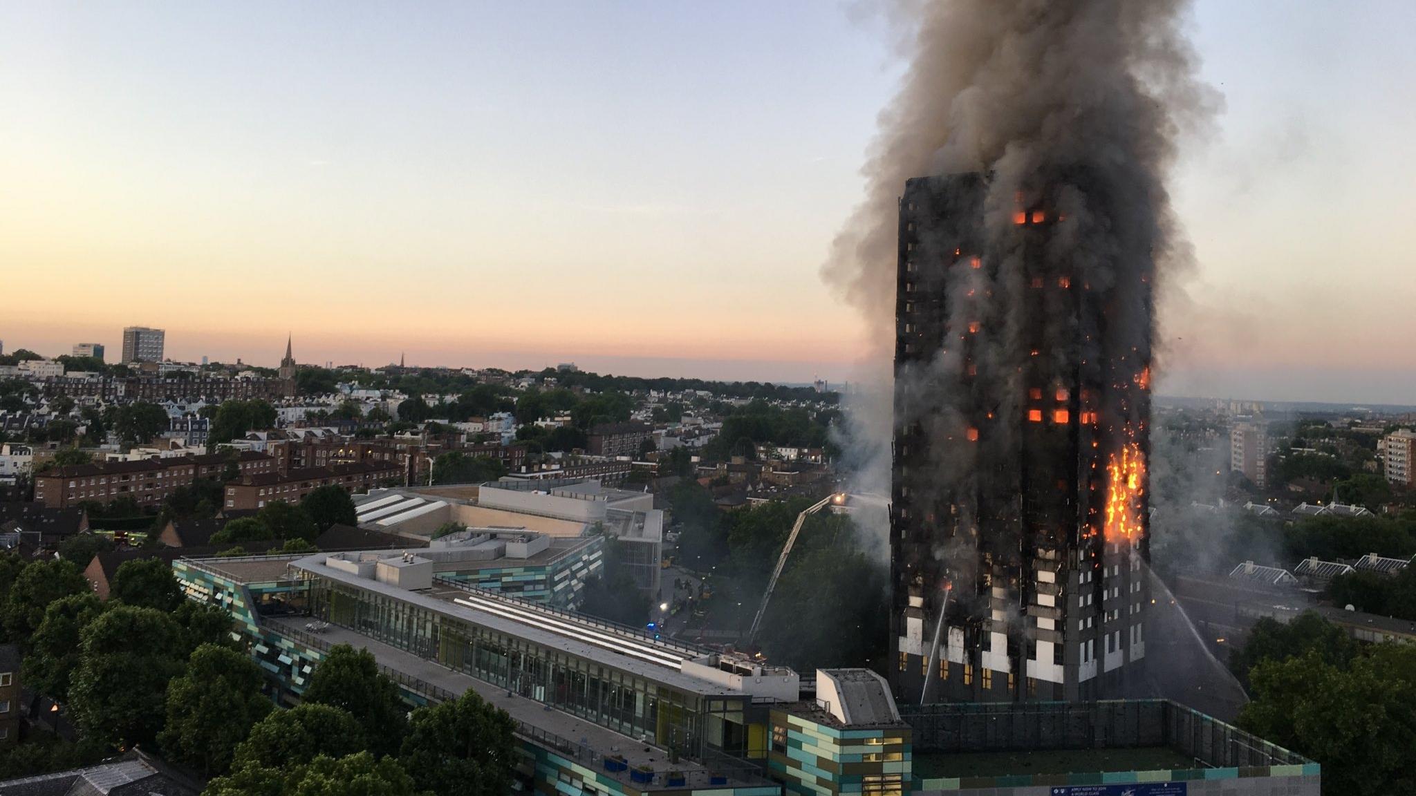 Grenfell_Tower_fire_(wider_view).jpg