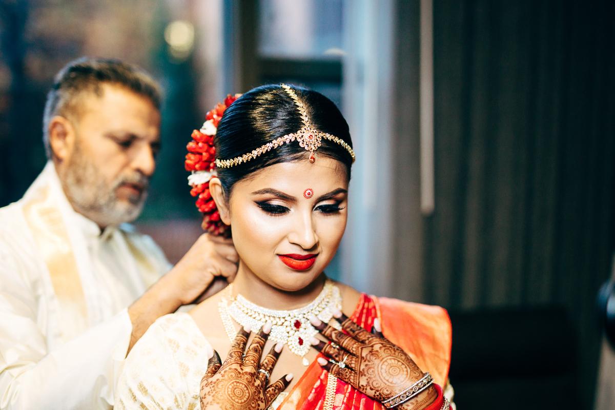 tanu-sayon-hindu-wedding-williambichara-123.jpg