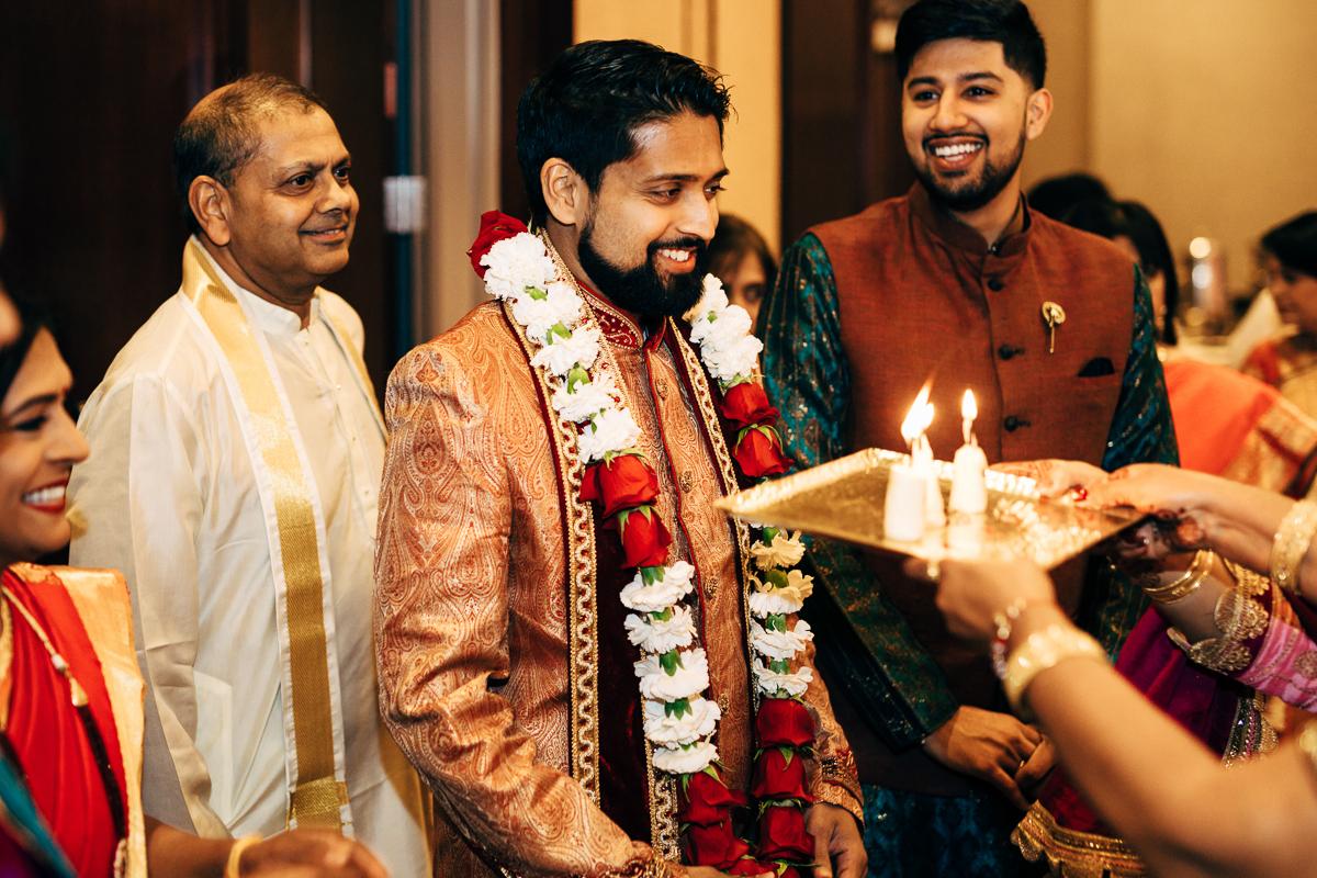 tanu-sayon-hindu-wedding-williambichara-281.jpg