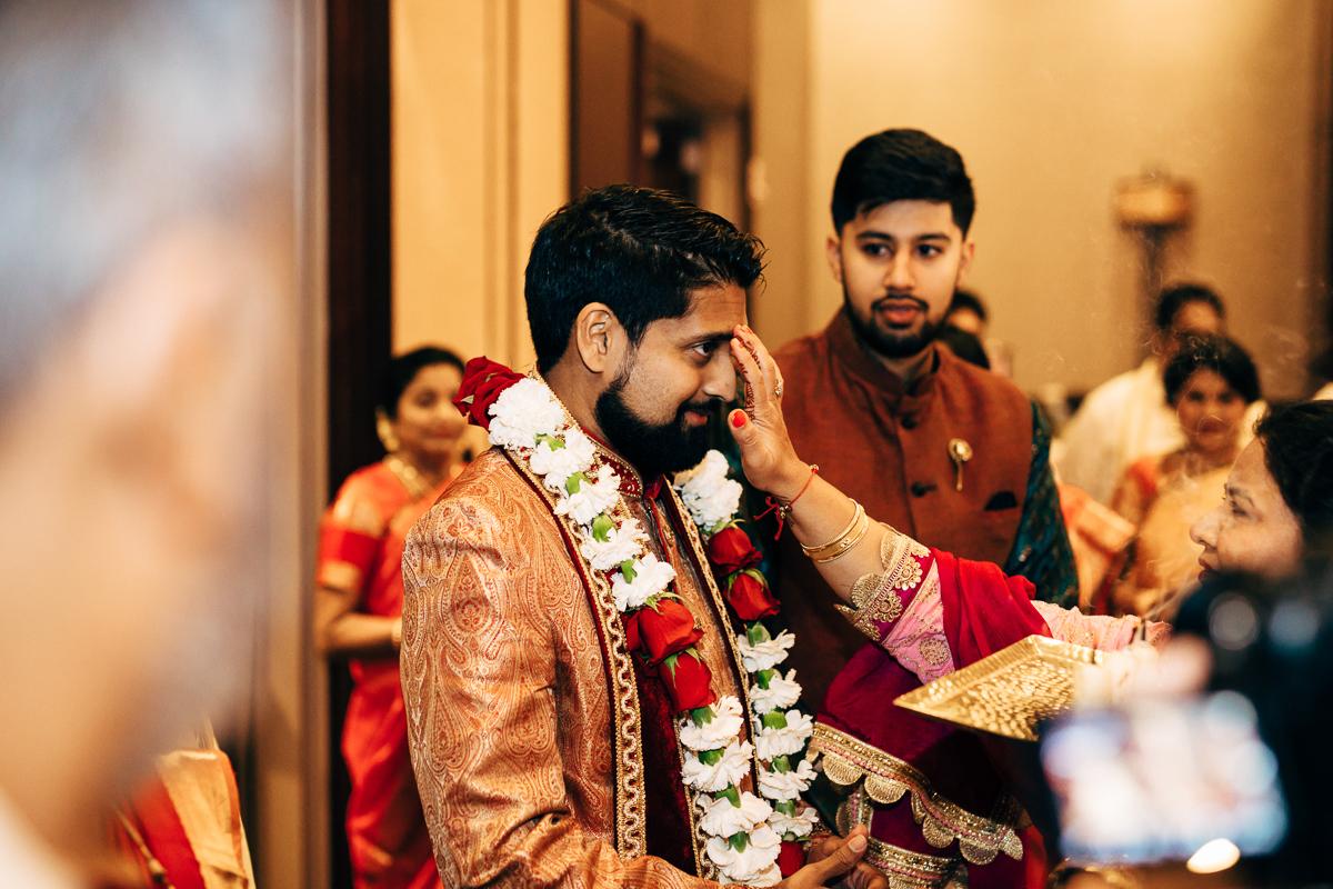 tanu-sayon-hindu-wedding-williambichara-289.jpg