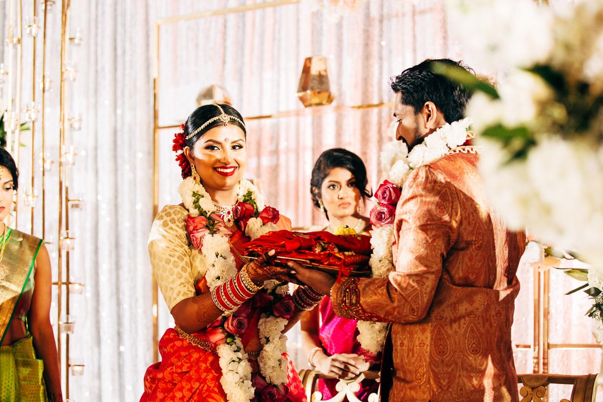 tanu-sayon-hindu-wedding-williambichara-446.jpg