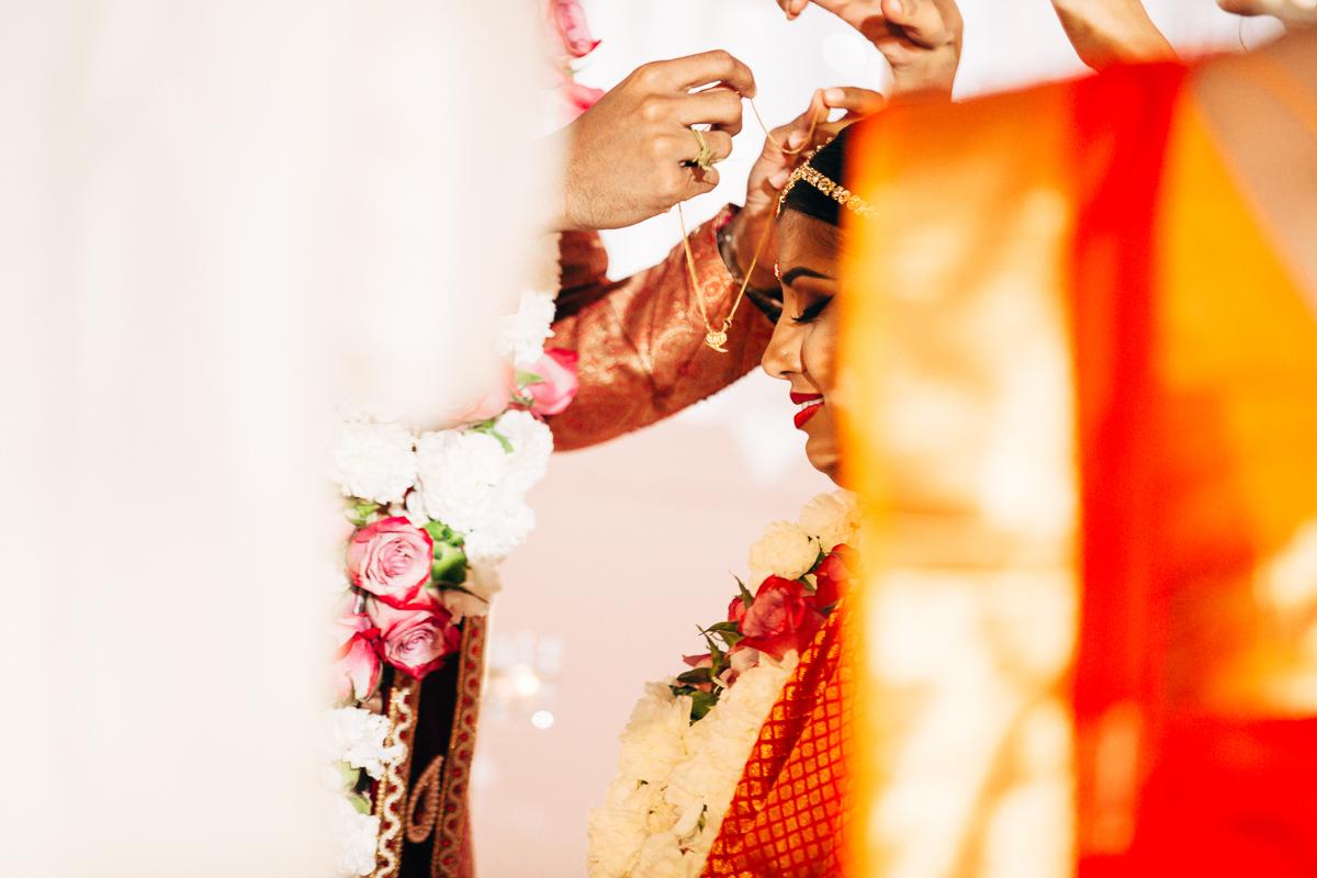 tanu-sayon-hindu-wedding-williambichara-452.jpg