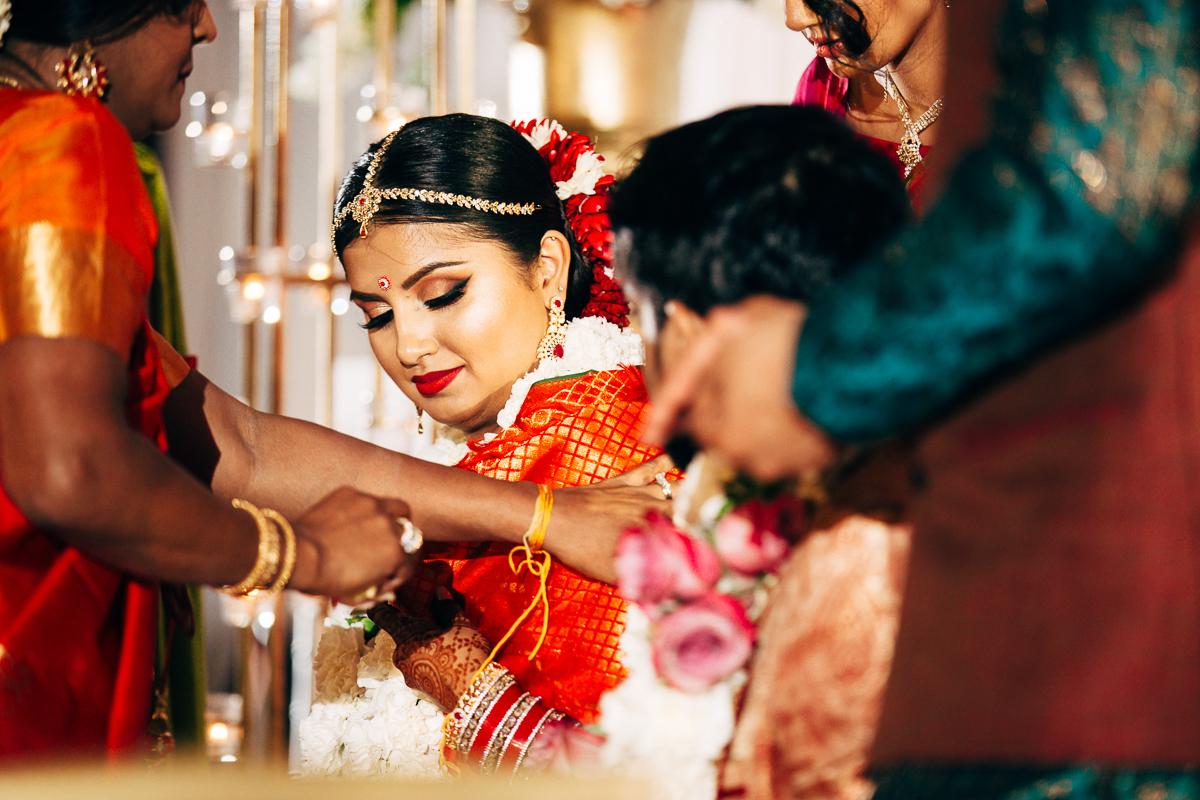 tanu-sayon-hindu-wedding-williambichara-449.jpg