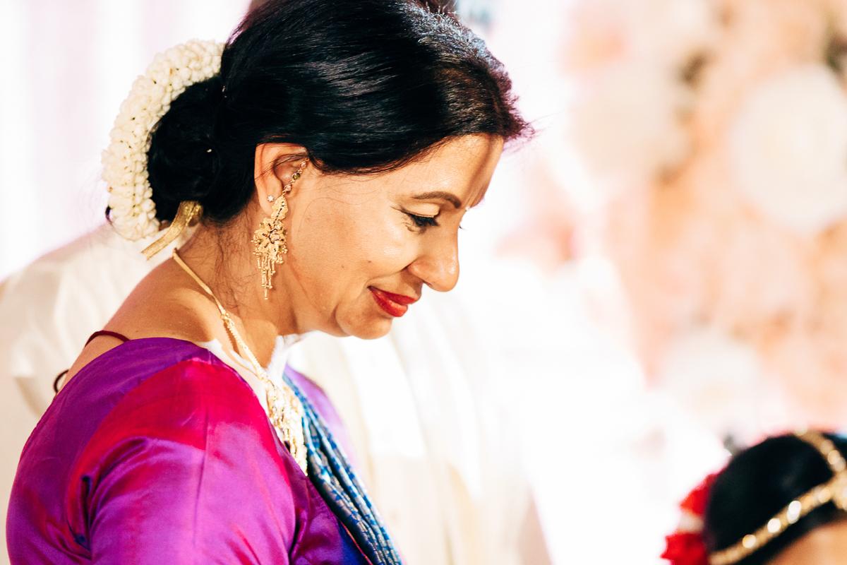 tanu-sayon-hindu-wedding-williambichara-514.jpg
