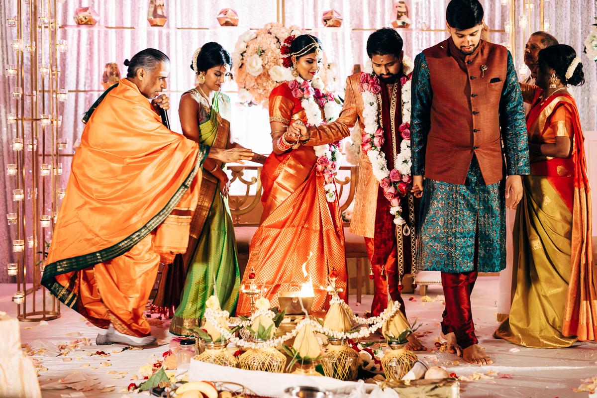 tanu-sayon-hindu-wedding-williambichara-562.jpg