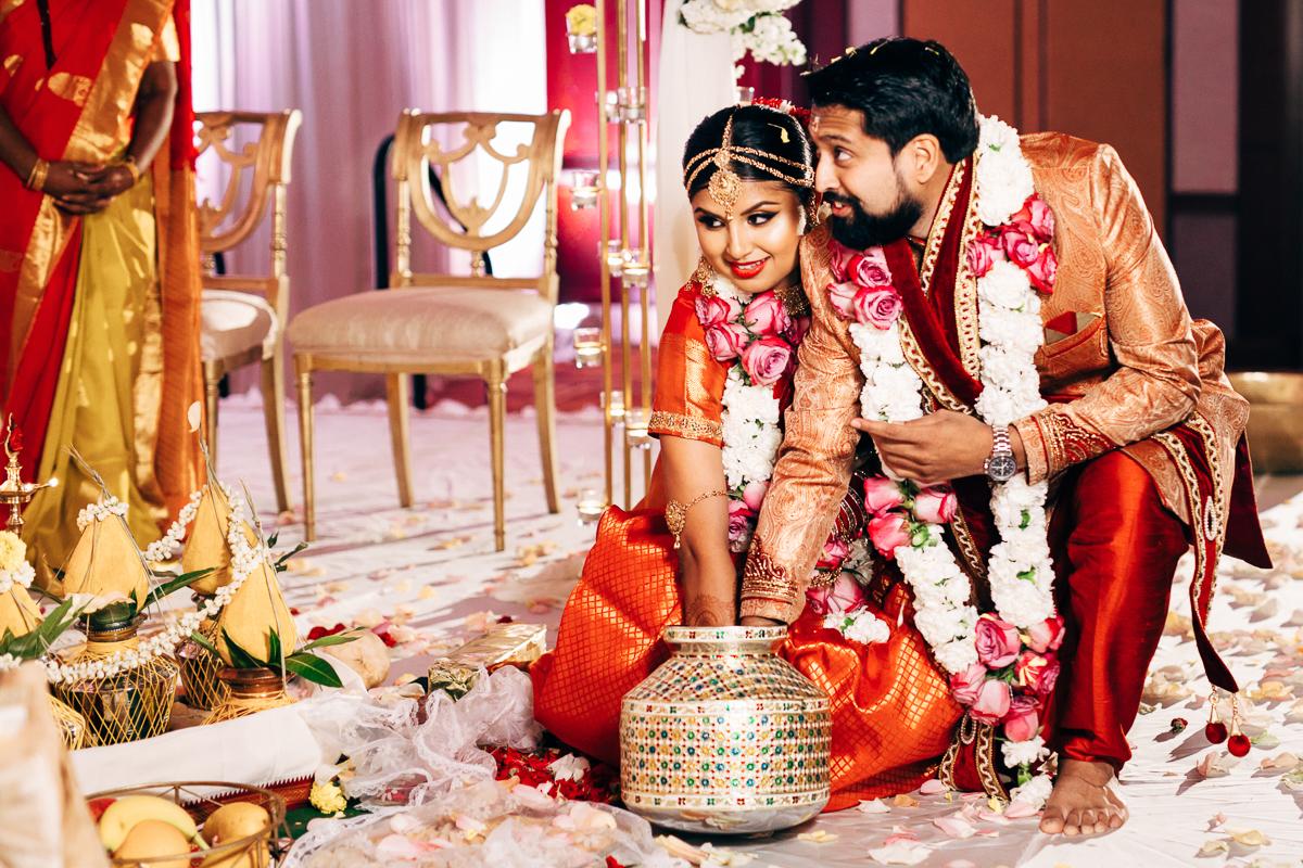 tanu-sayon-hindu-wedding-williambichara-599.jpg