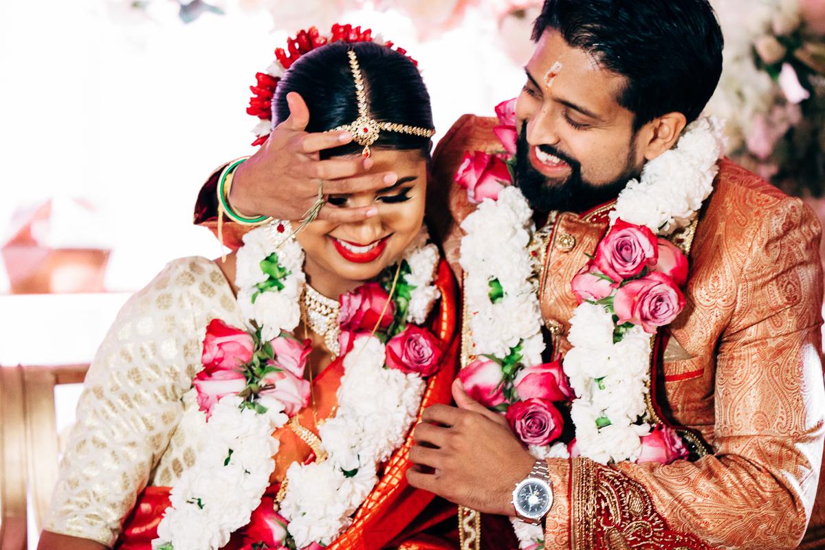 tanu-sayon-hindu-wedding-williambichara-650.jpg