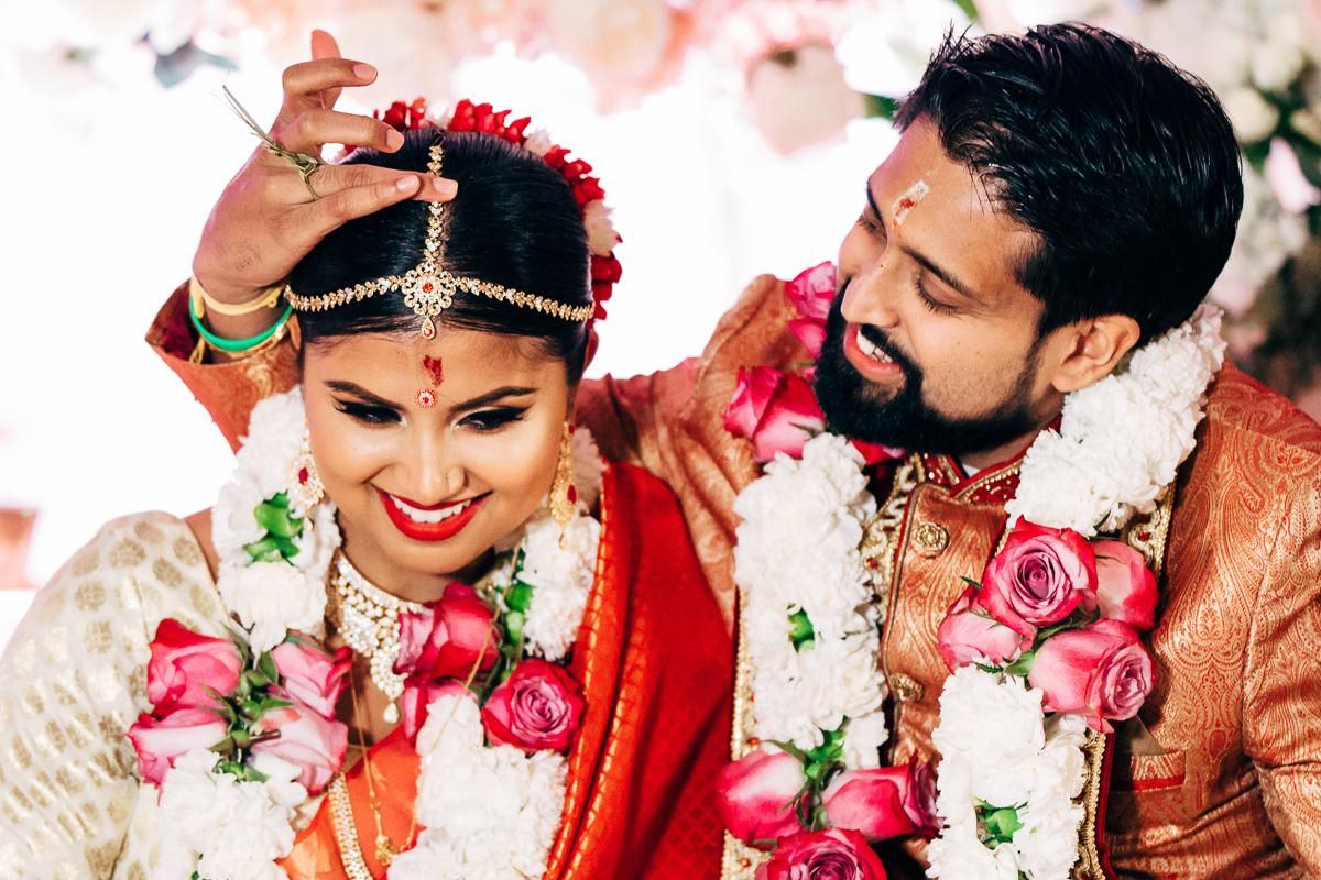 tanu-sayon-hindu-wedding-williambichara-659.jpg