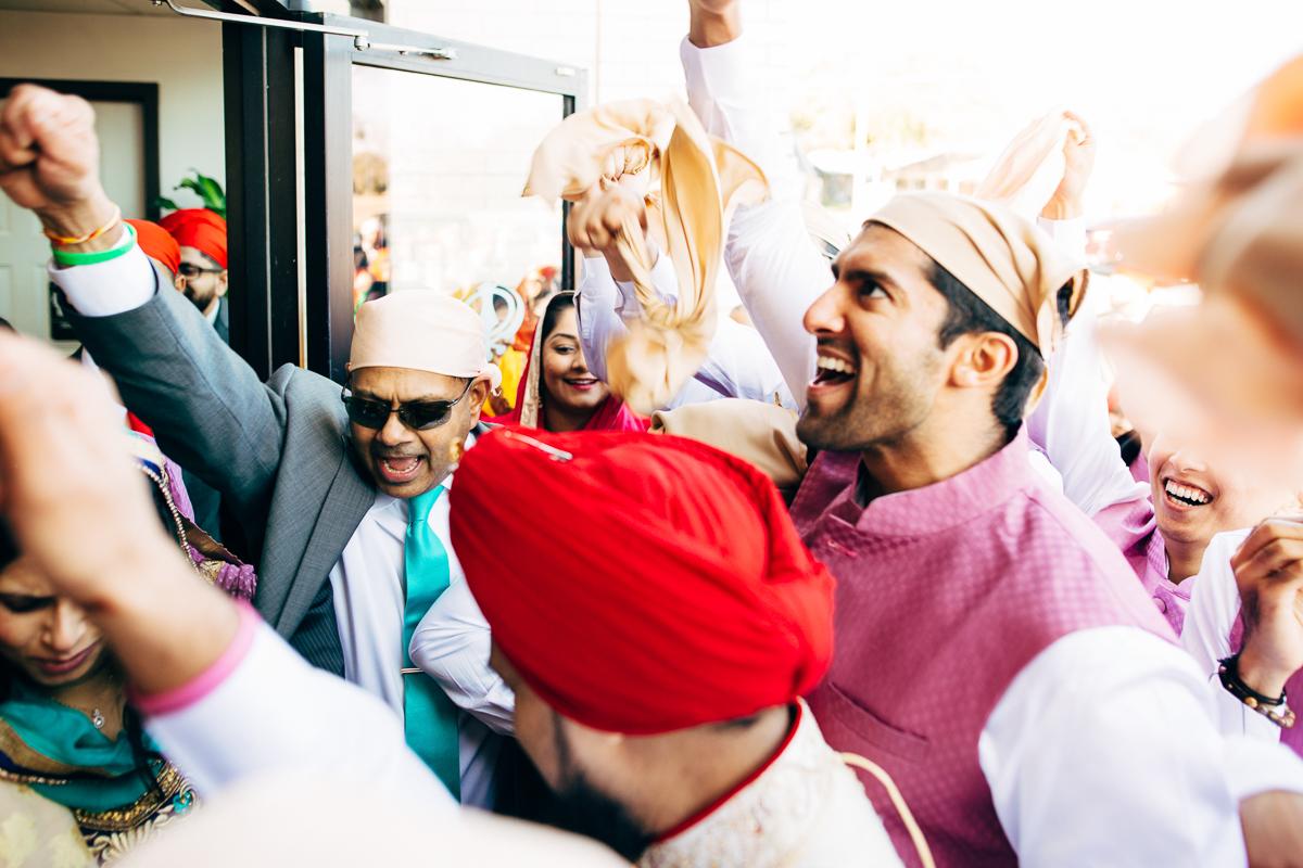 tanu-sayon-sikh-wedding-williambichara-465.jpg