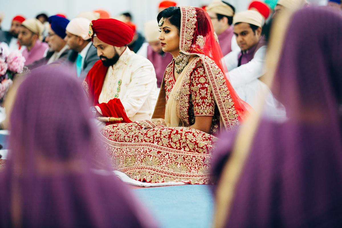 tanu-sayon-sikh-wedding-williambichara-555.jpg