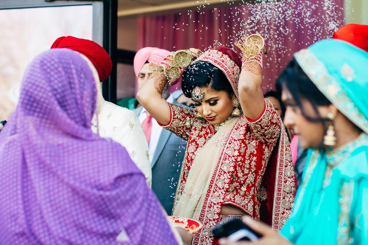 tanu-sayon-sikh-wedding-williambichara-797.jpg