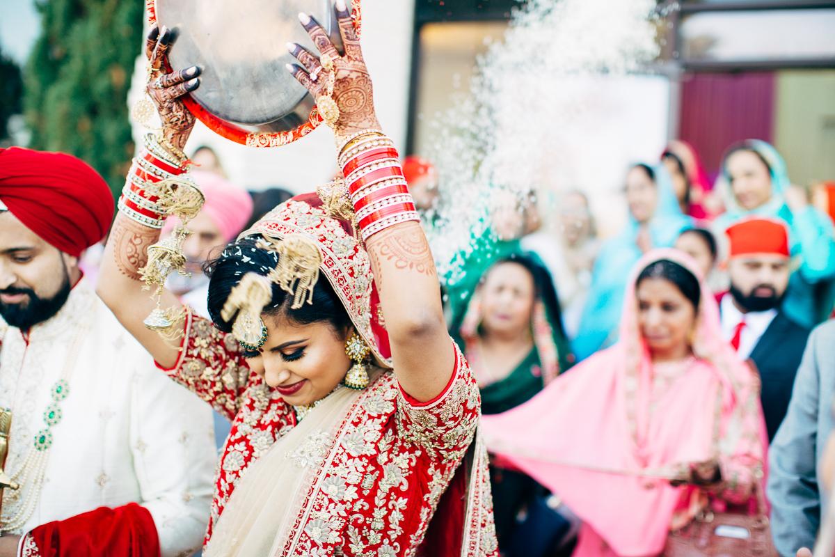 tanu-sayon-sikh-wedding-williambichara-806.jpg