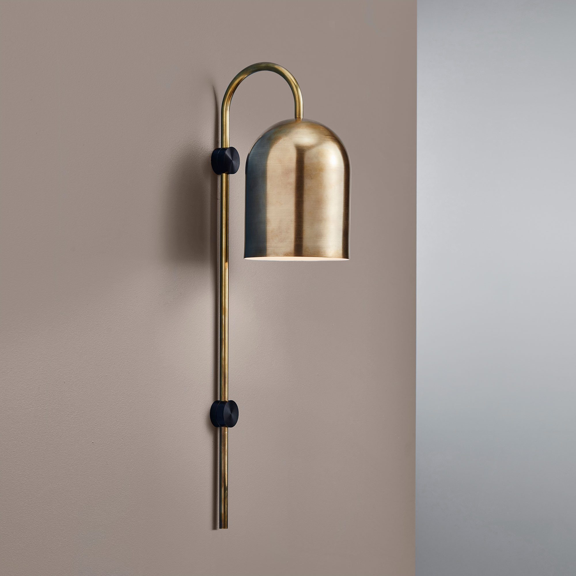 Duomo-Stem-Wall-Light-Brass-grey.jpg