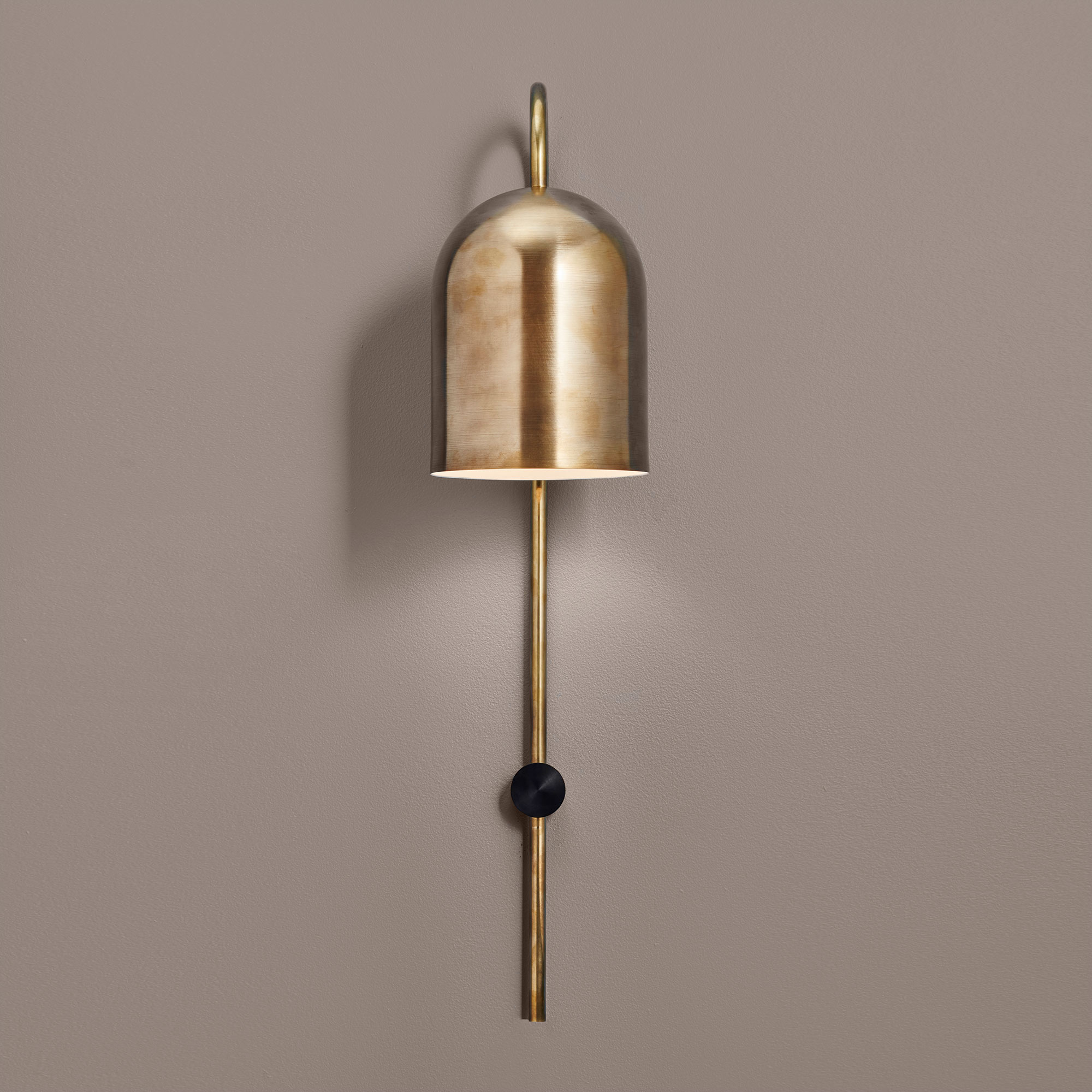 Duomo-Stem-Wall-Light-Brass-front_grey.jpg