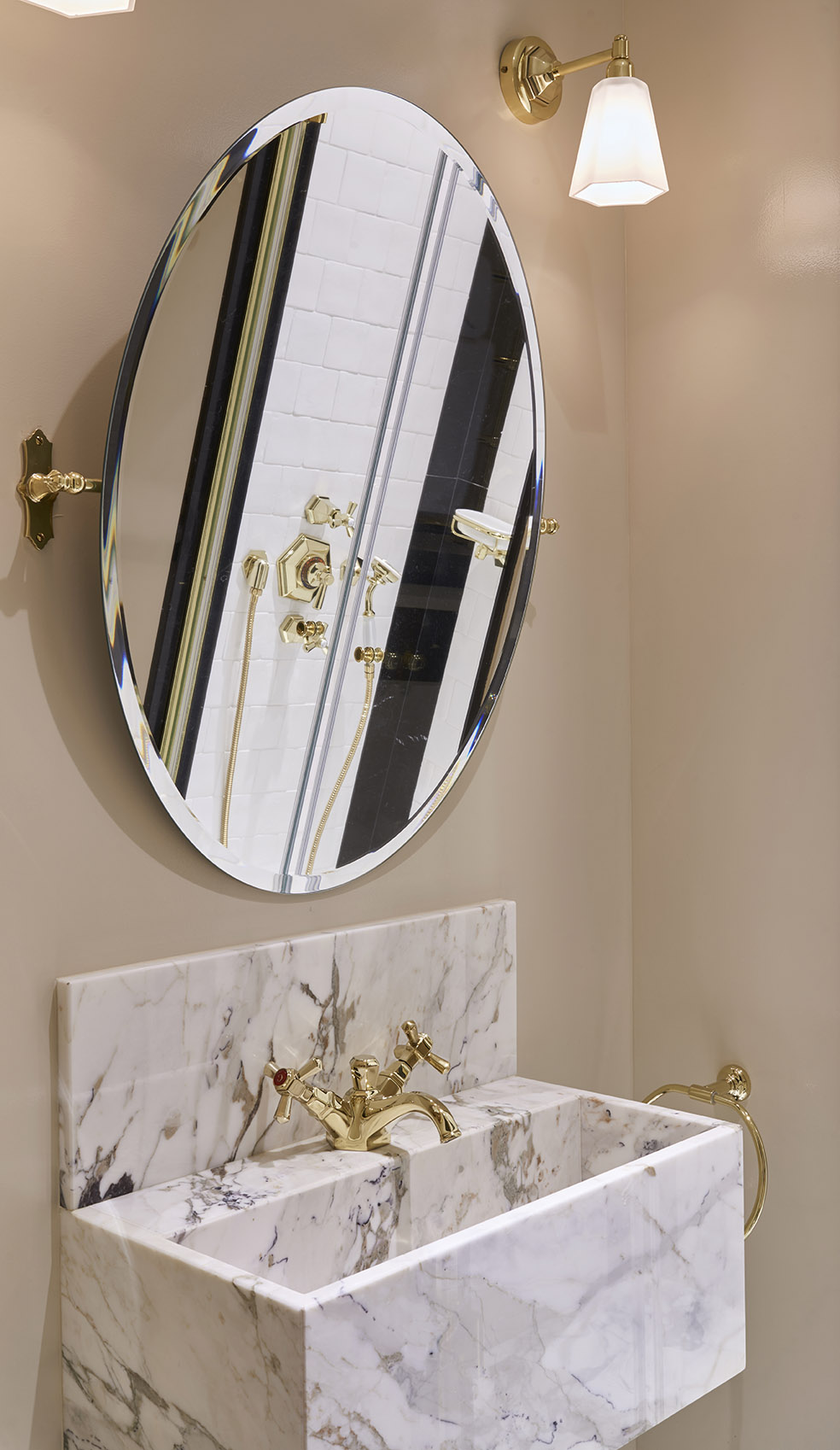 plan vasque semi massif breccia capraia salle de bain Omni Marbes hôtel Relais Christine