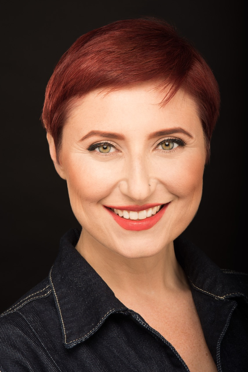 CHRISTINA DURYEA (Rosie de Blasé) is thrilled to be working with ONEOFUS. She's been a recurring touring cast member of Tony & Tina's Wedding & has been seen working with MadLab Theater, & Center Stage Players. Christina has also been seen dancing with Kristina Isabelle Dance Theater, Hixon Dance, & Anna & the Annadroids. You can also find her alter-ego Nina La Voix, performing burlesque internationally.