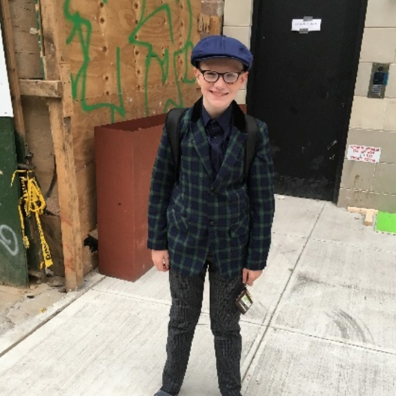 OLIVER MEDLIN (Babe Chorus) is a 7th grader at PPAS. He is thrilled to be back in Jack & the Beanstalk this year. He thanks Mat and Julie for this great experience!