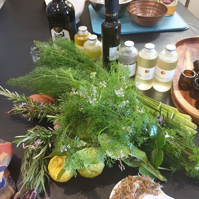 Ingredients all coming together for our 2 workshops this weekend!! So exciting xx  Kicking off tonight- Friday 6th oils and ointments is fully booked- it will be re run soon  Tomorrow 7th at 11am - from culinary to medicinal- we have 4 spaces left  #awaken  #herbalknowledgeispowerful #innerherbalist